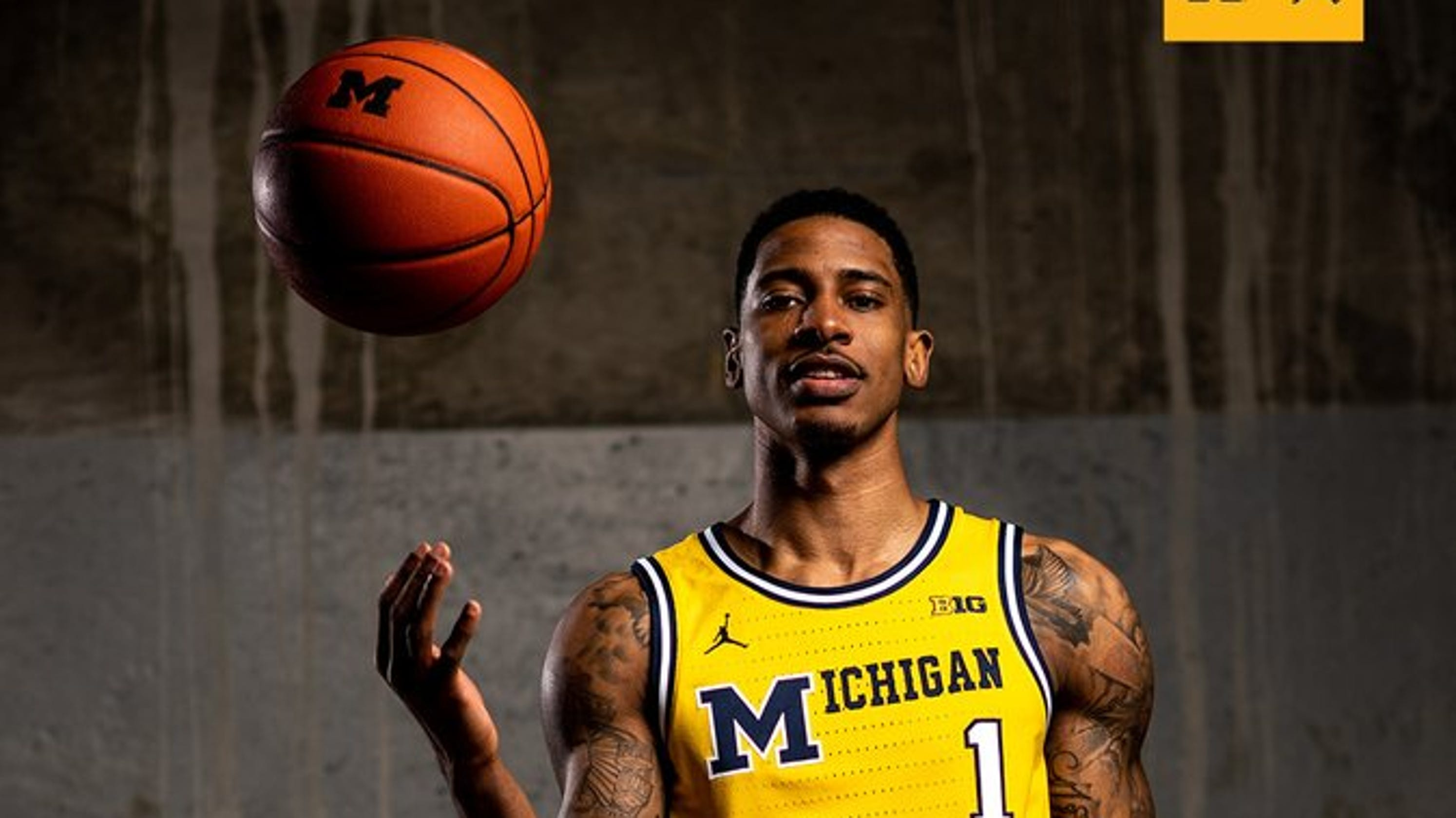 0909886f564 Michigan basketball to wear 1989 throwback uniforms against Michigan State