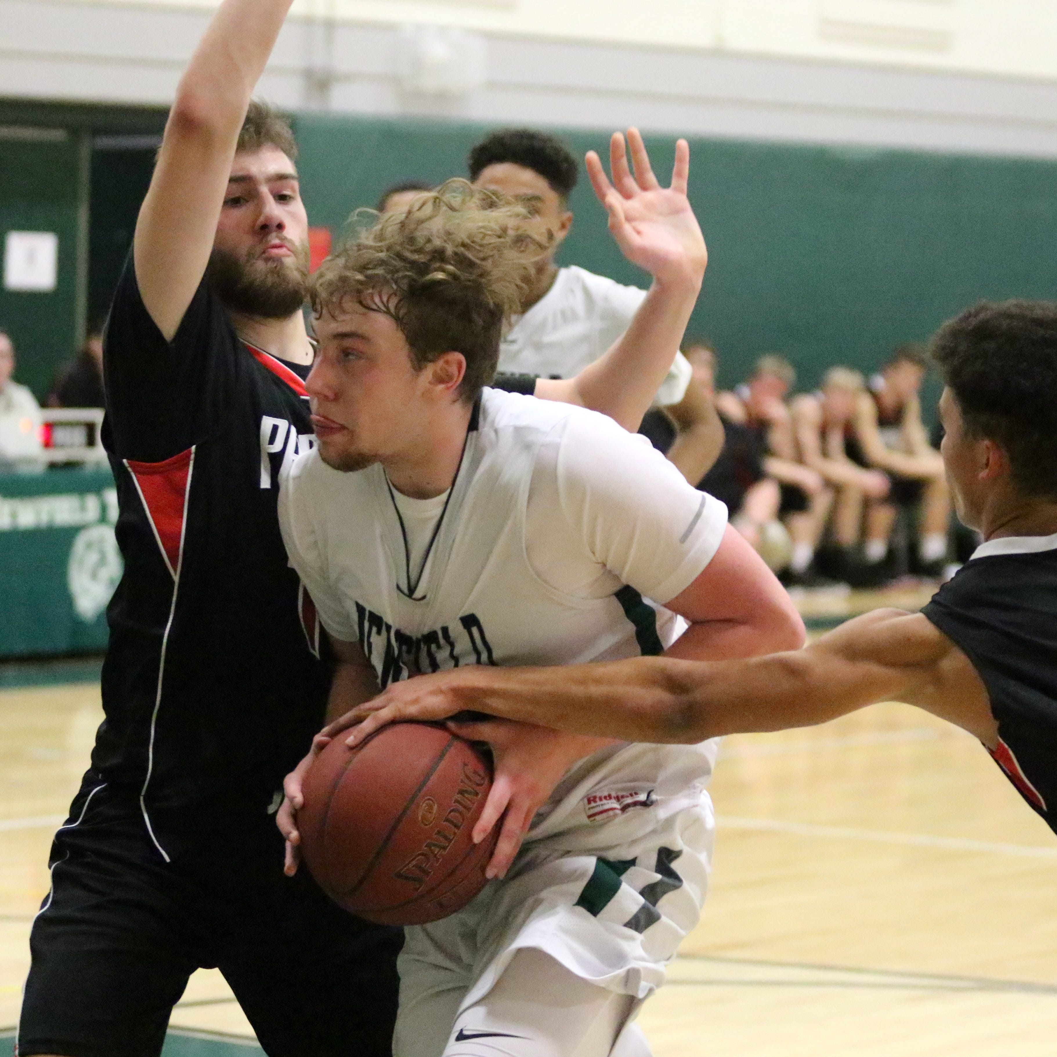 Boys basketball: Newfield surges past S-VE in second half of IAC tiebreaker