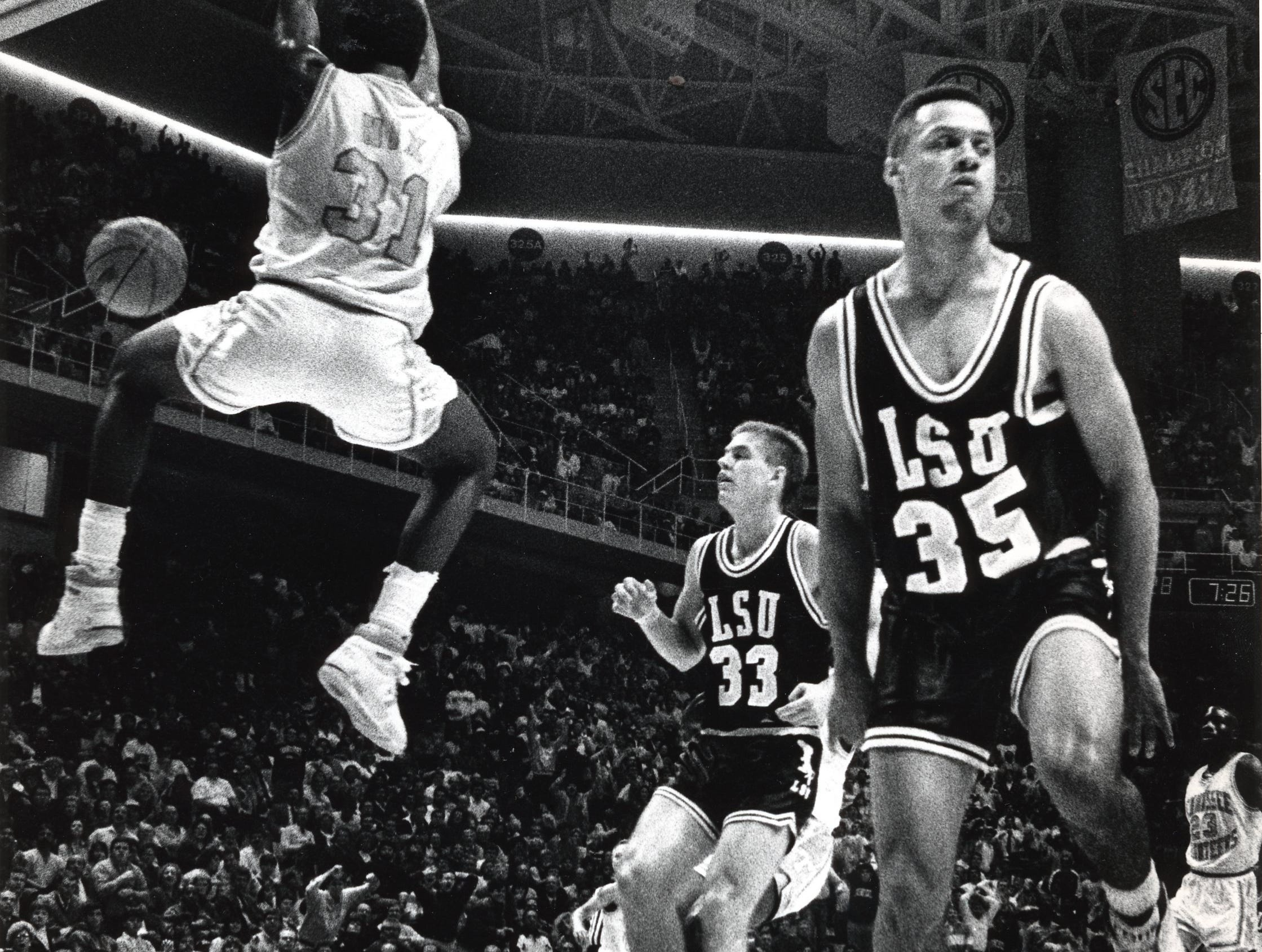 Tennessee's Dyron Nix dunks on LSU in January 1989.