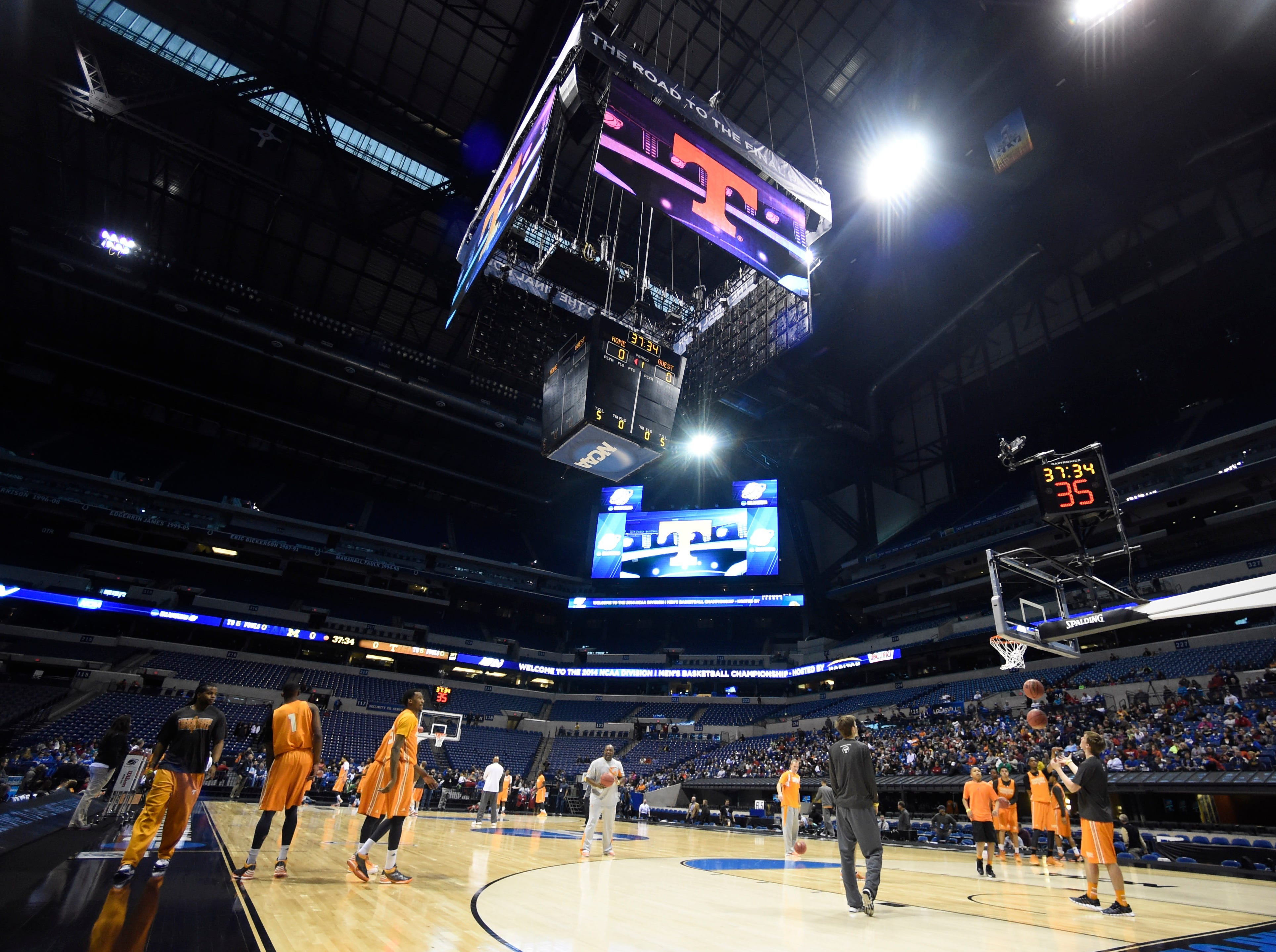 Tennessee's men's basketball team practices before their NCAA Sweet Sixteen game against Michigan at Lucas Oil Stadium in Indianapolis, Ind. on Thursday, March 27, 2014.