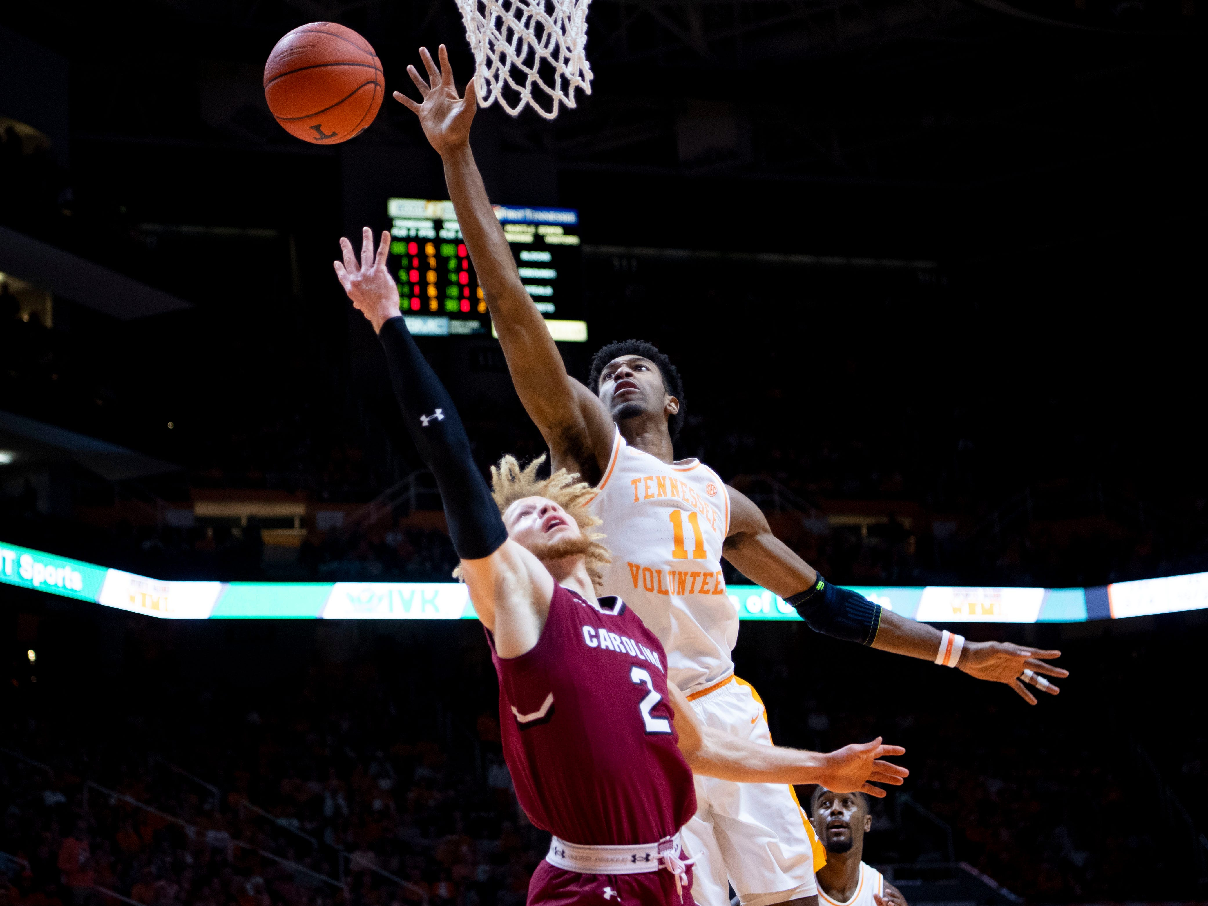South Carolina guard Hassani Gravett (2) is guarded by Tennessee's Kyle Alexander (11) on Wednesday, February 13, 2019.