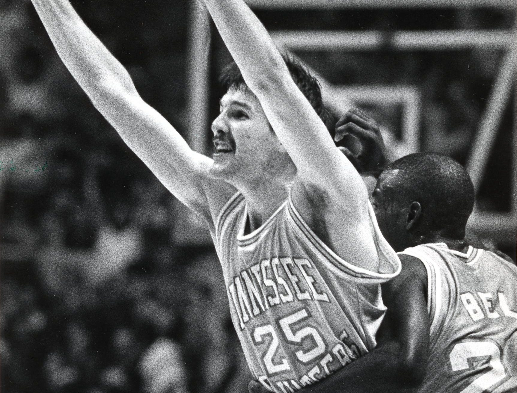 Tennessee's Travis Henry celebrates his last second shot in November 1988.