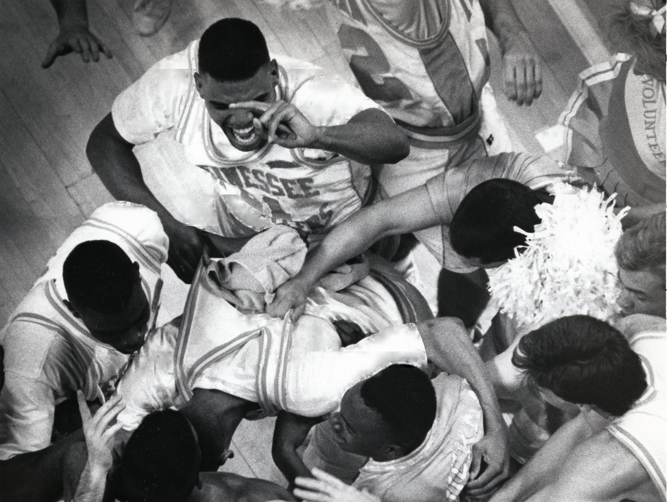 Tuesday night's upset caused a bench clearing celebration for Tennessee as they ran out on the floor hugging each other after beating LSU in January 1991.