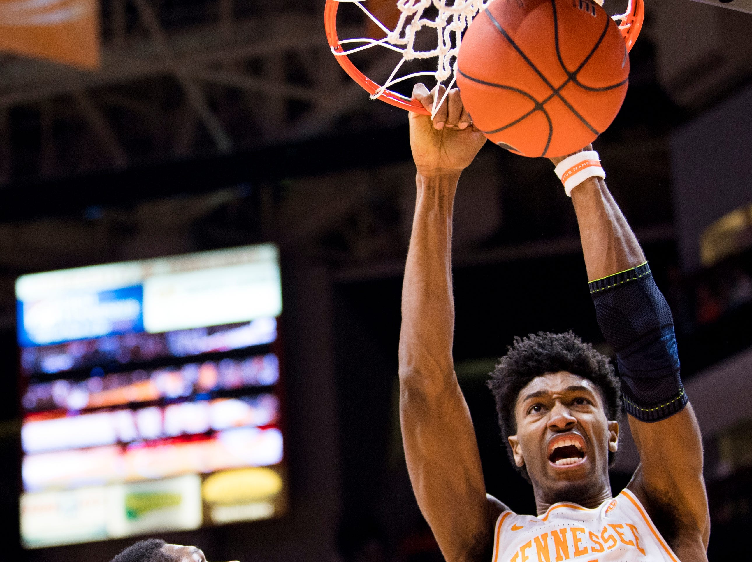 Tennessee forward Kyle Alexander (11) dunks during Tennessee's home SEC game against South Carolina at Thompson-Boling Arena in Knoxville on Wednesday, February 13, 2019.