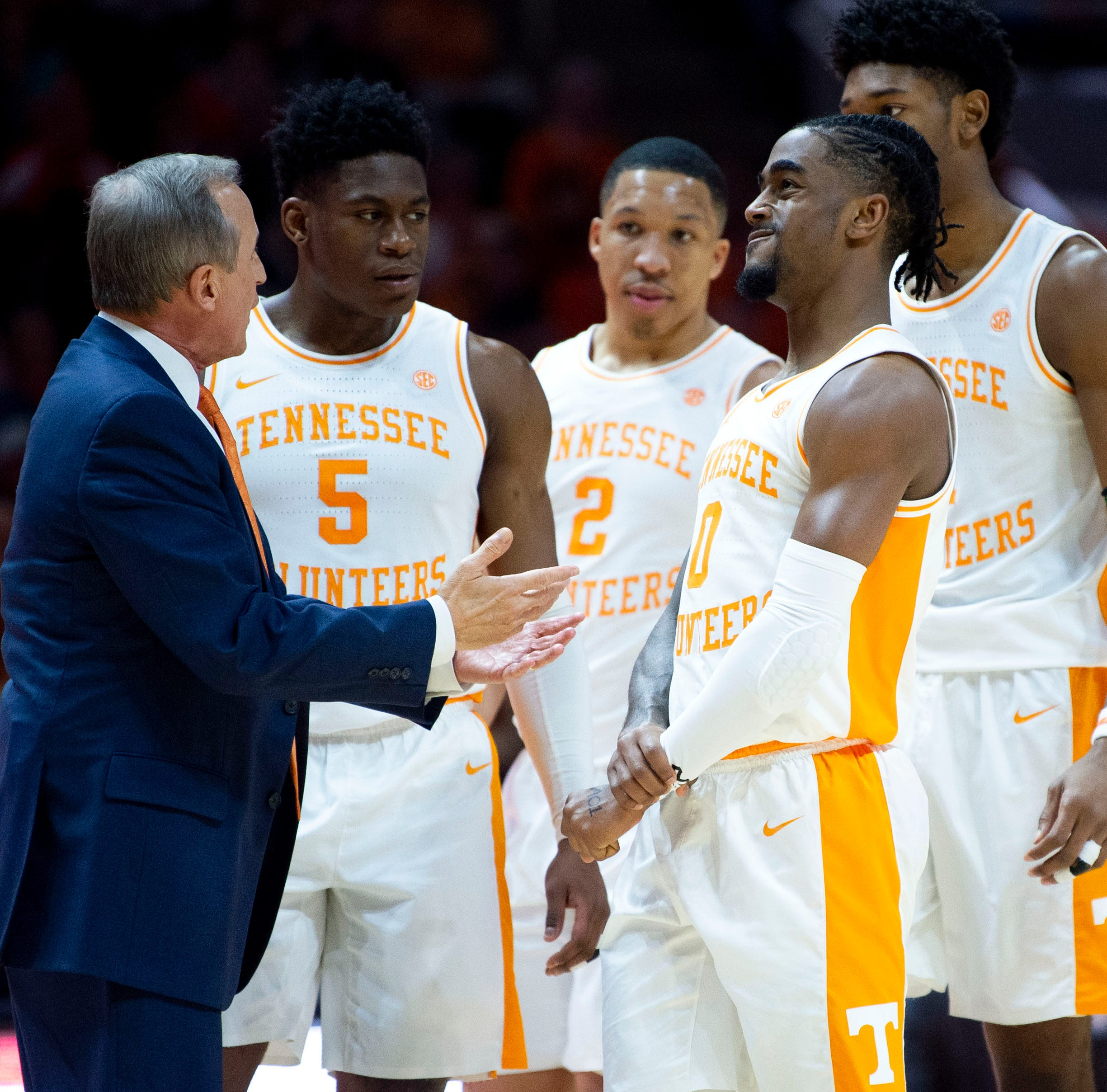 Tennessee basketball: Vols react to Rick Barnes staying, spurning UCLA