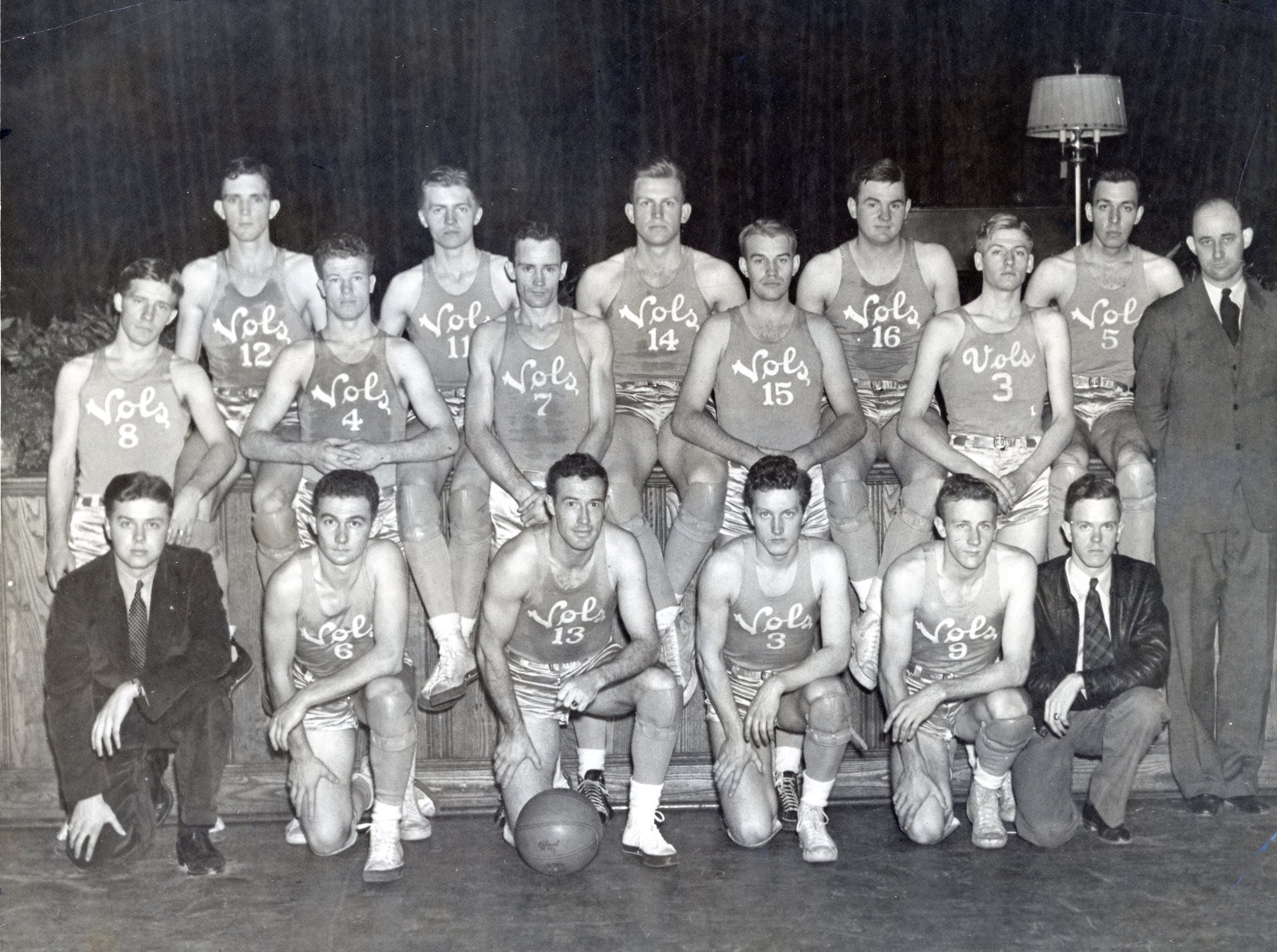 The UT Vols basketball team photo for the 1937-1938 year.