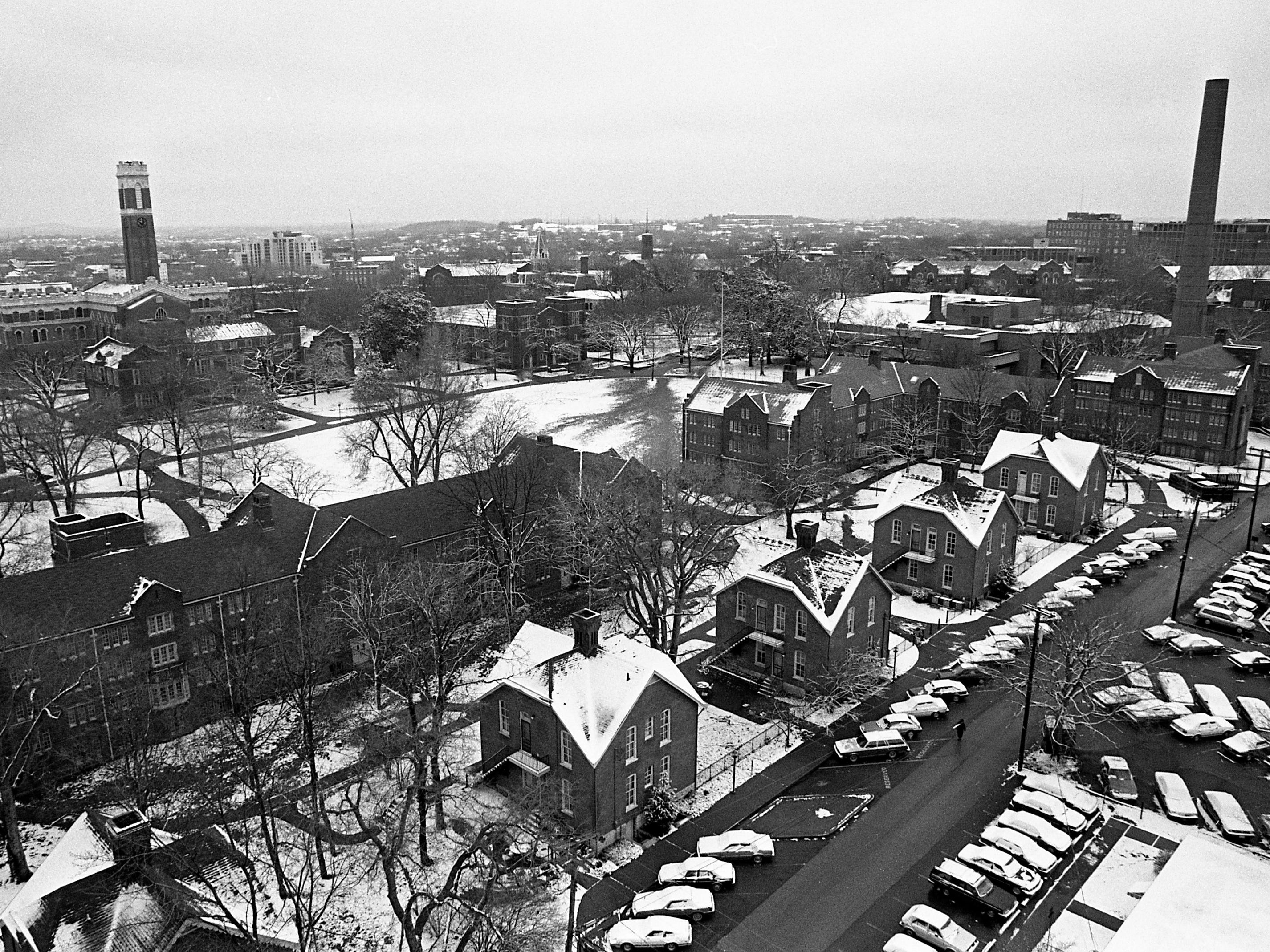 A light snow has turned the Vanderbilt campus into a white wonderland Feb. 18, 1989.