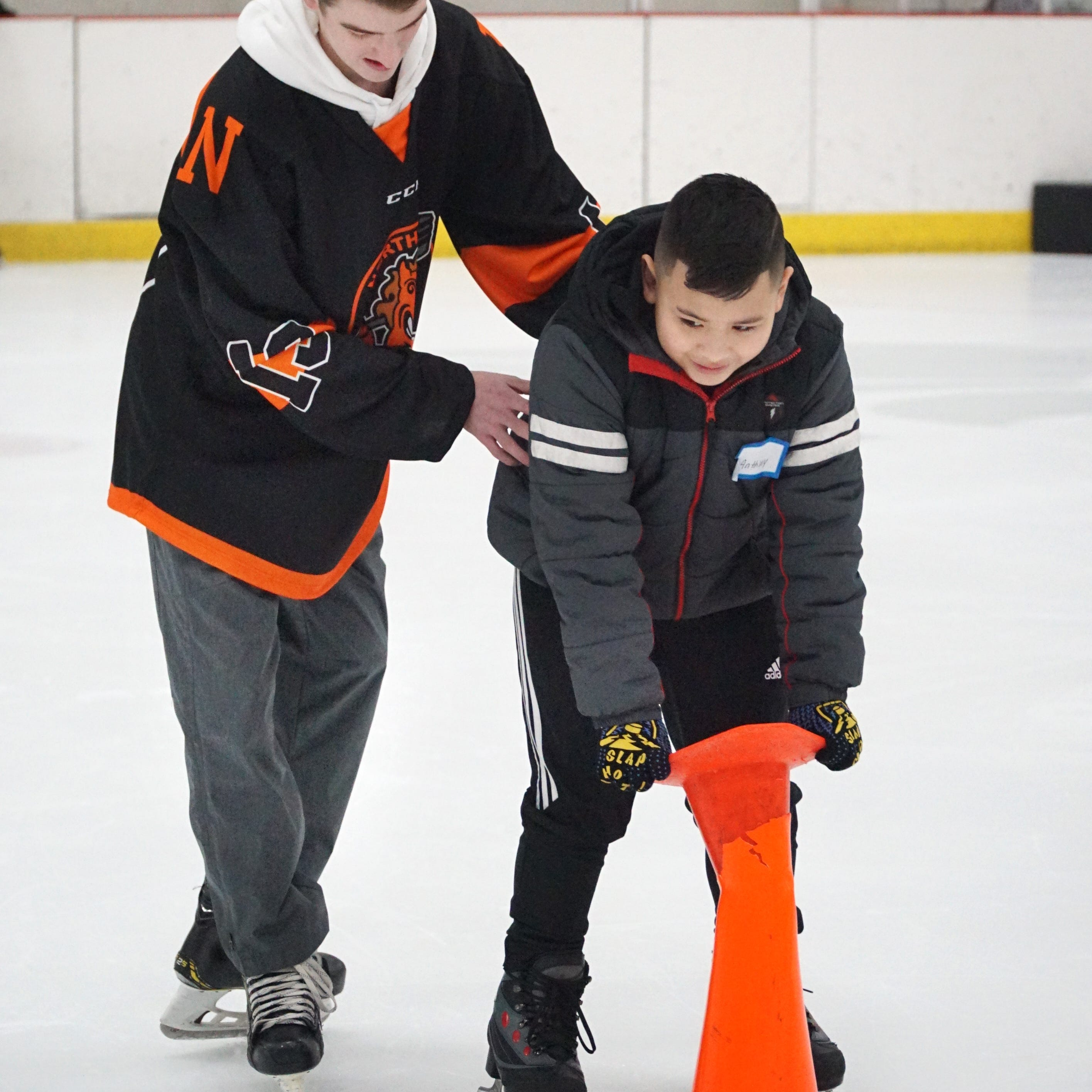 Ice cold, but heartwarming: Kids from Northville and Detroit make a hockey connection