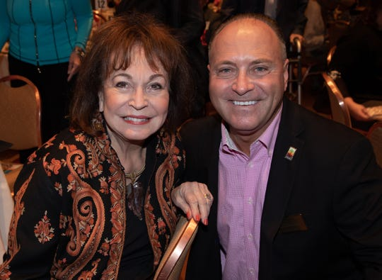 (left to right) Sherrie Auen of The Auen Foundation with Honoree Glenn Miller.