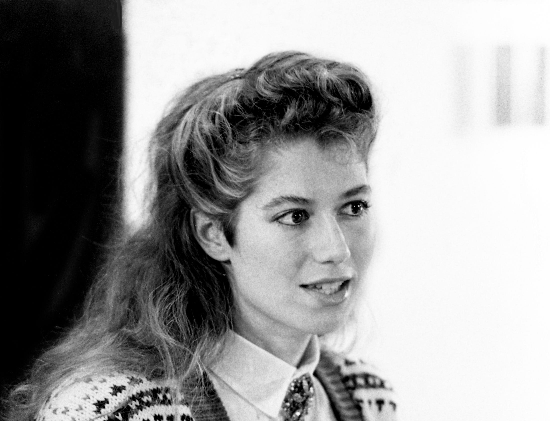 Amy Grant answers questions from the media during a press conference at the Hyatt Regency Hotel on Feb. 2, 1987.