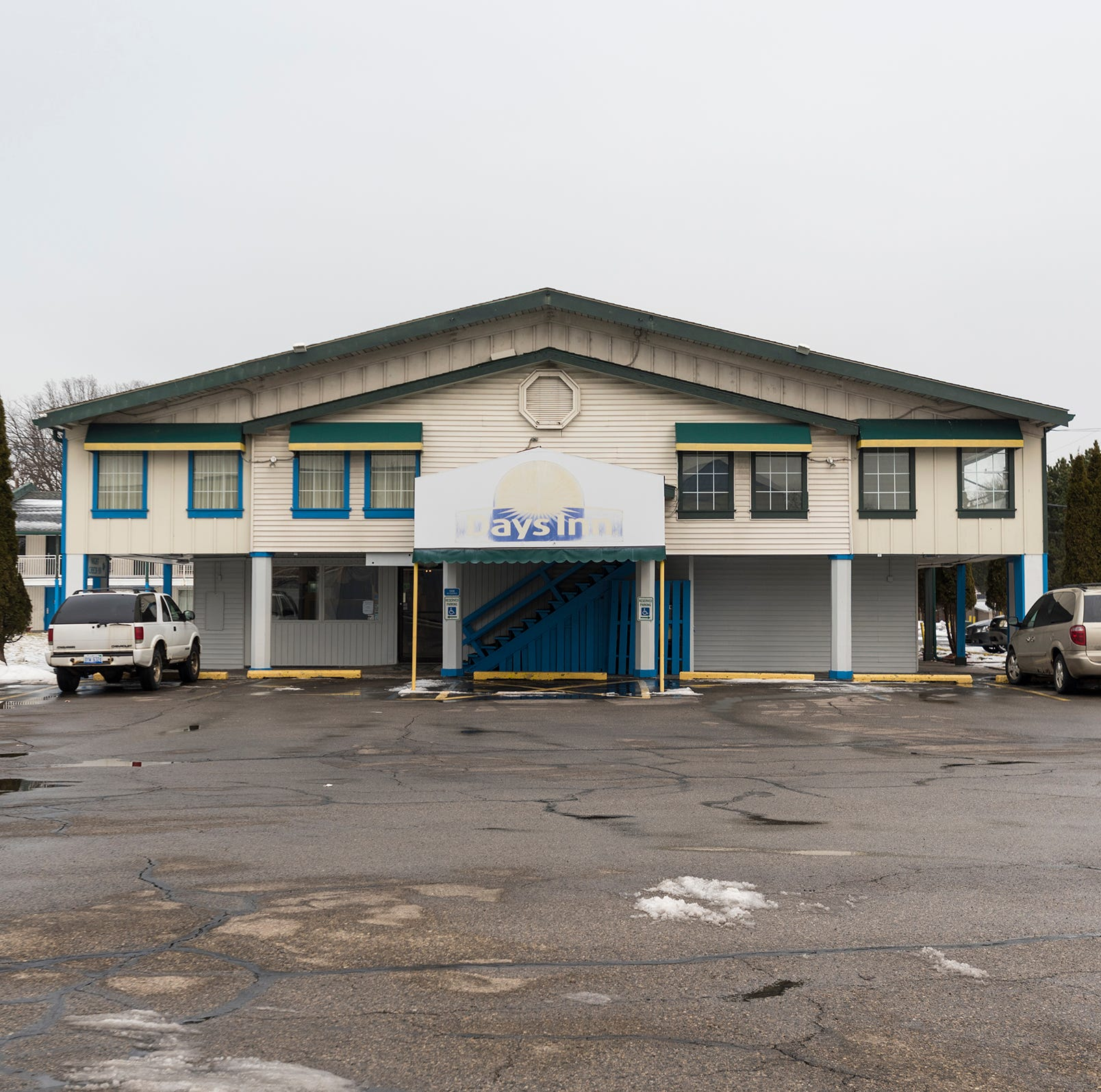 City files 'public nuisance' lawsuit against Days Inn