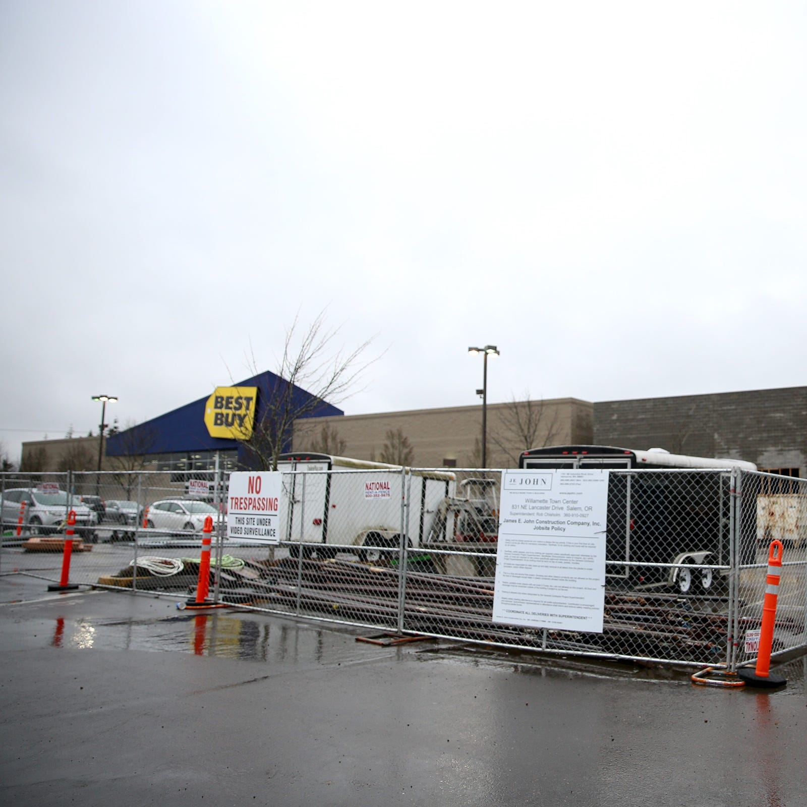 What are they building next to Best Buy at Willamette Town Center?
