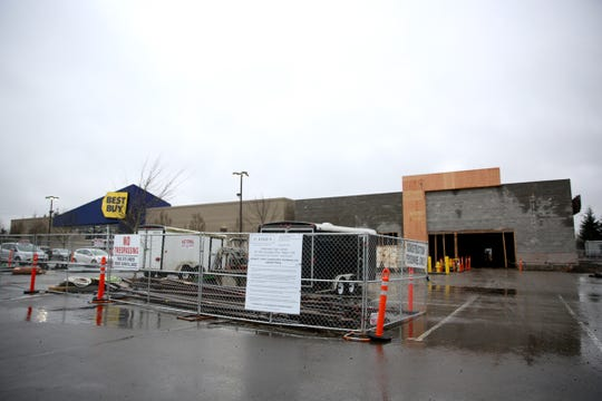Construction next to the Best Buy at Willamette Town Center in Salem.