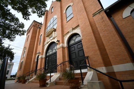 First Presbyterian Church, 32 N. Irving St.