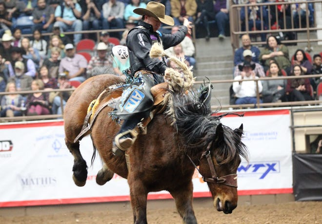 Zeke Thurston took the overall lead with a score of 88.5 in saddle bronc during the 9th performance of the 87th San Angelo Stock Show & Rodeo at Foster Communications Coliseum, Wednesday, Feb. 13, 2019.