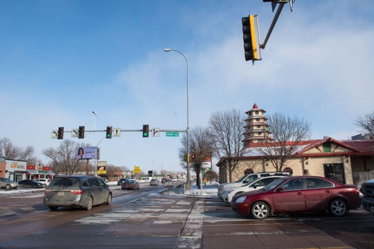 41st Street and Kiwanis Avenue intersection is shown, Thursday, Feb. 14, 2019 in Sioux Falls, S.D.