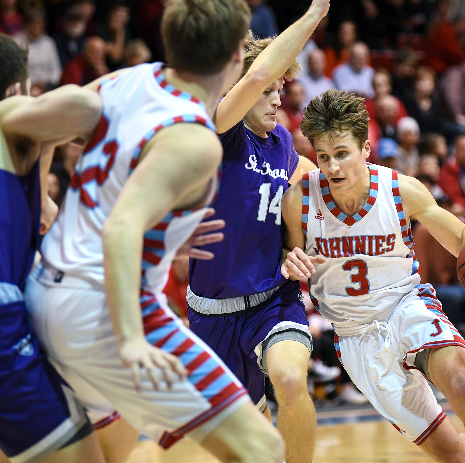 A resounding win: Sophomore post helps SJU beat St. Thomas