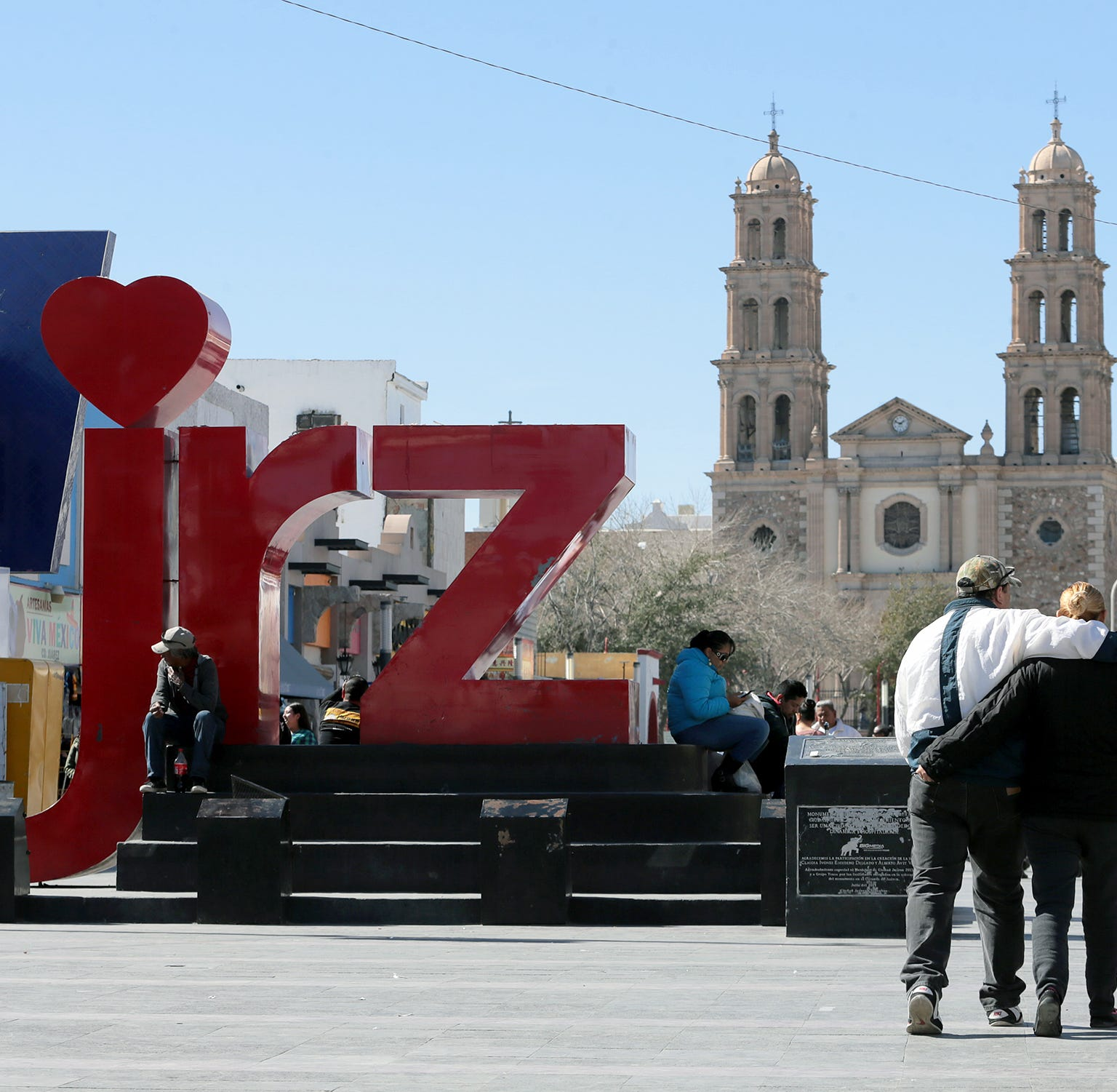 As Trump demands a wall, violence returns to Texas border in Ciudad Juárez