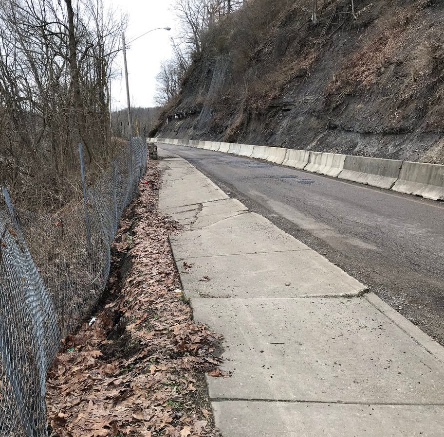 Road slip shuts down Muskingum Avenue
