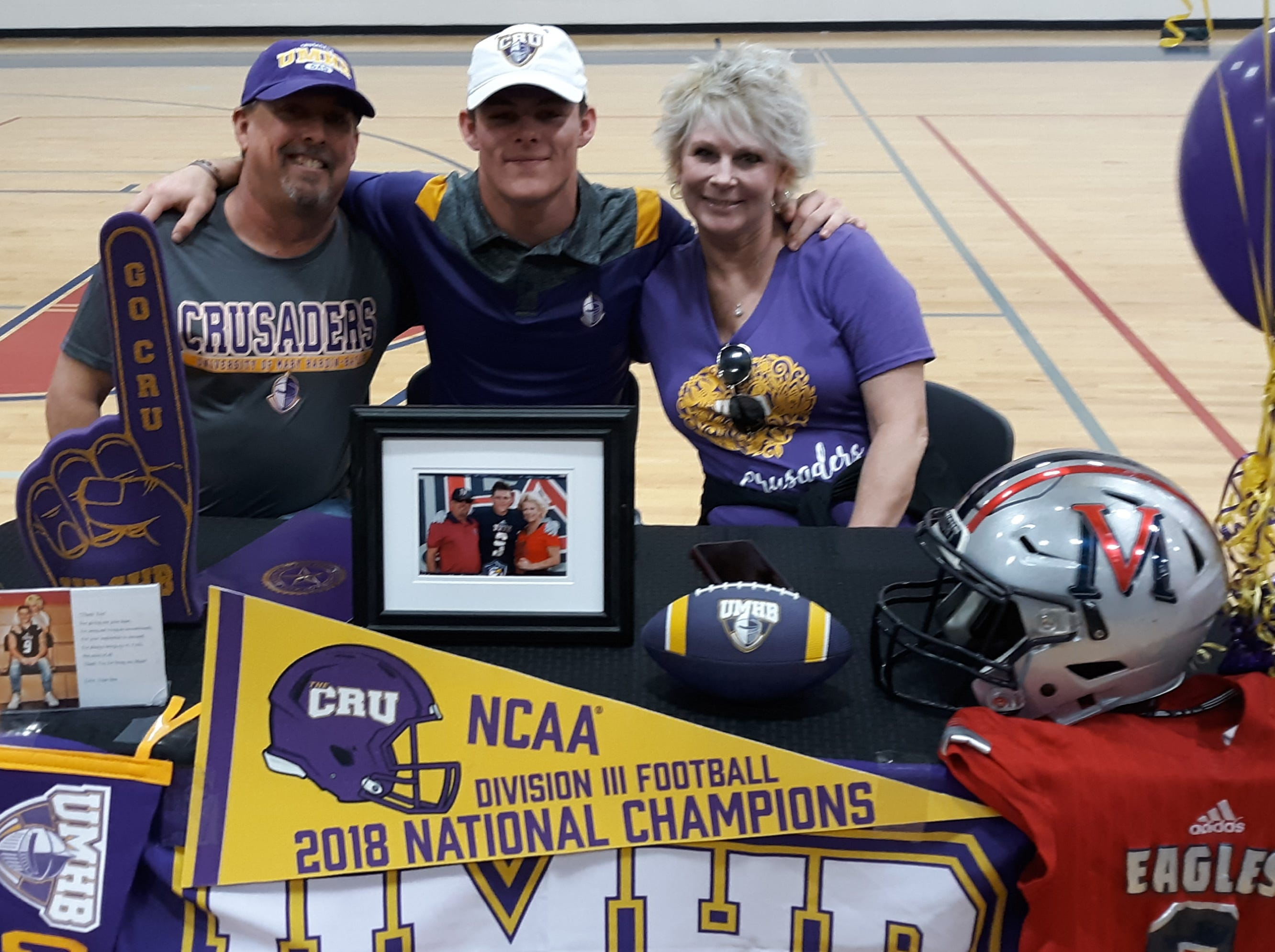 Veterans Memorial defensive back Davis Horne finalized his commitment to NCAA Division III Mary Hardin-Baylor. Horne was a first team all-district selection and was one of the area's best at blocking kicks.