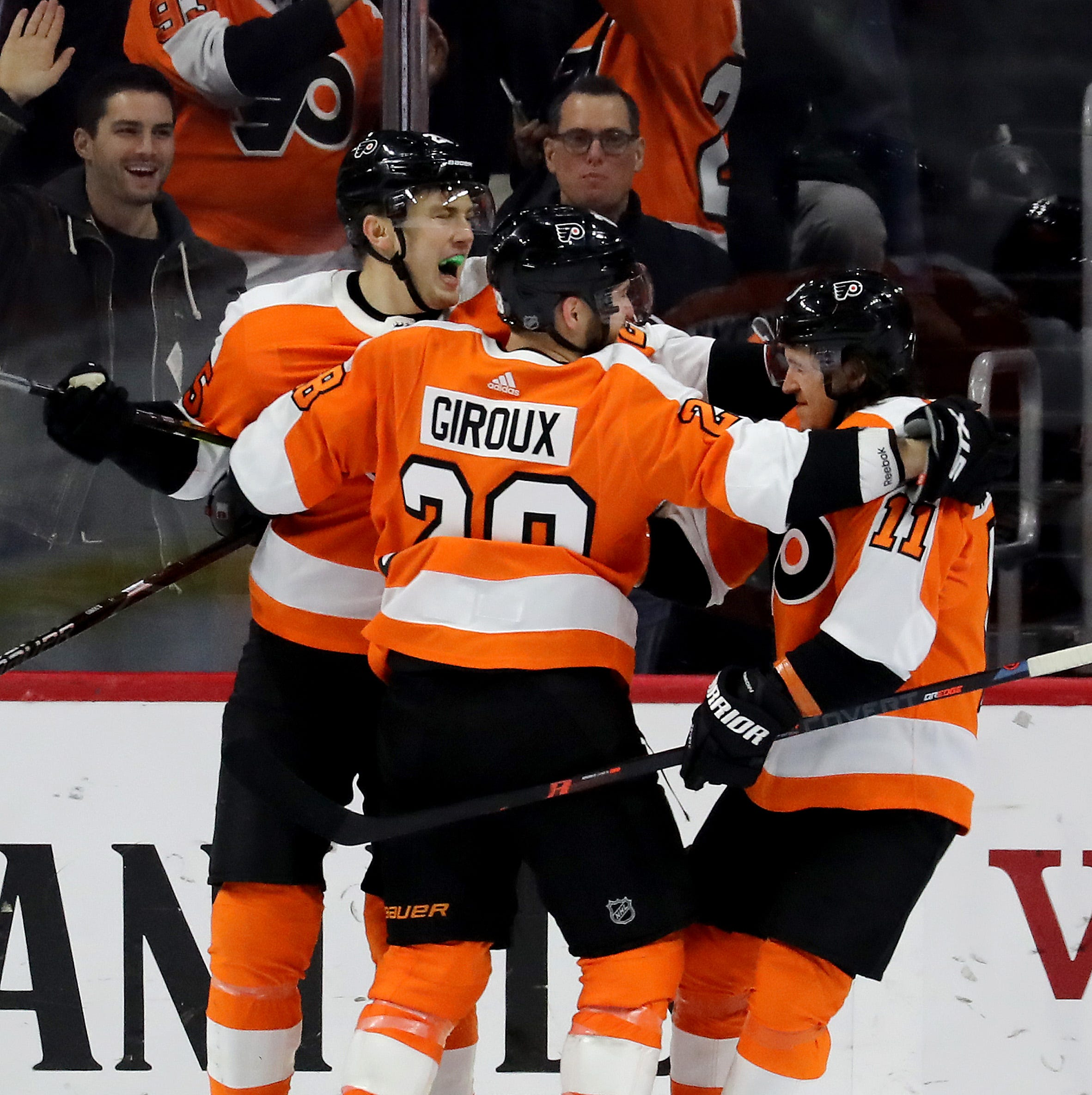 Claude Giroux's production not helping top line, so Flyers could change it up