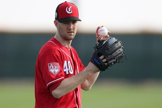 Cincinnati Reds pitcher Alex Wood (40) long losses, Friday, Feb. 15, 2019, at the Cincinnati Reds spring training facility in Goodyear, Arizona.