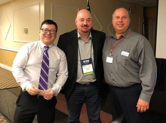 (Left to right)Lawyer Mark Grieco;Jeffrey Luft, ISM-NJ director of programs;and Tom Raimondi, APICS vice presidentof programs.