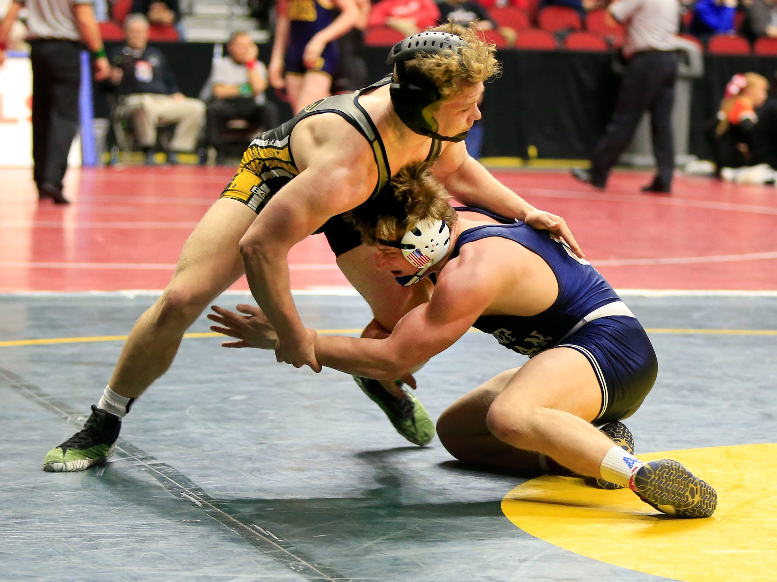 Sage Walker of Eddyville-Blakesburg-Fremont defeats Frank Vondrak of Bishop Heelan during a 2A 170 Lb match at the state wrestling tournament Thursday, Feb. 14, 2019.