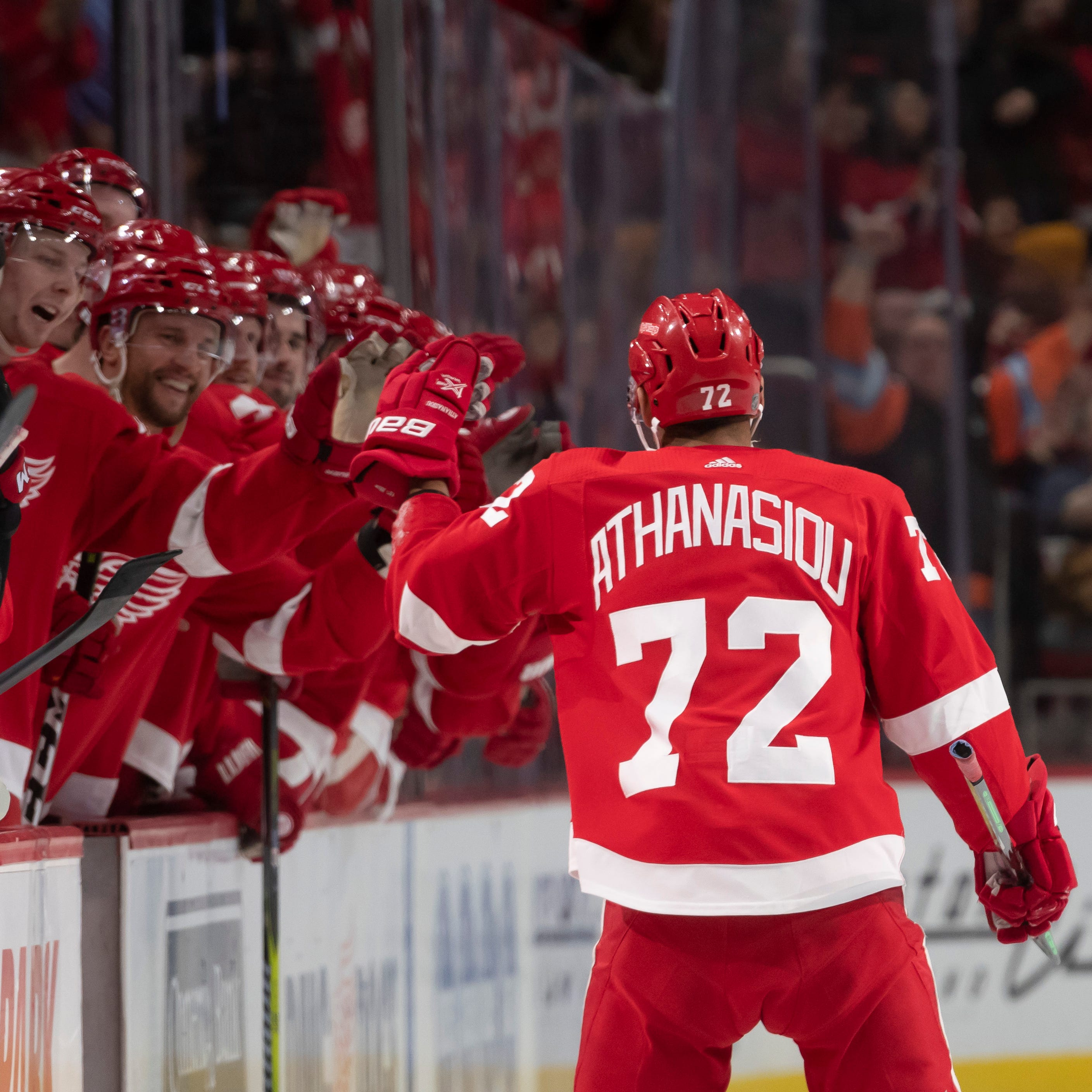 Athanasiou gives Howard a win in game No. 500 for Red Wings