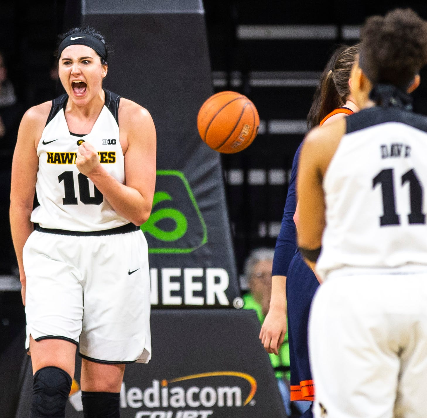 Iowa women's basketball: No. 13 Hawkeyes cruise by Illinois; Maryland showdown up next