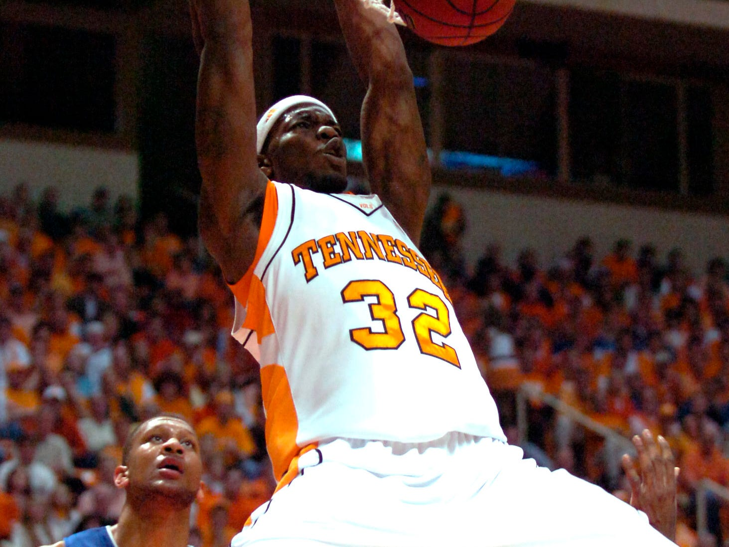 UT's Duke Crews dunks the ball against UK at Thompson Boling Arena in February 2007. UT defeated 20th ranked Kentucky 89-85.