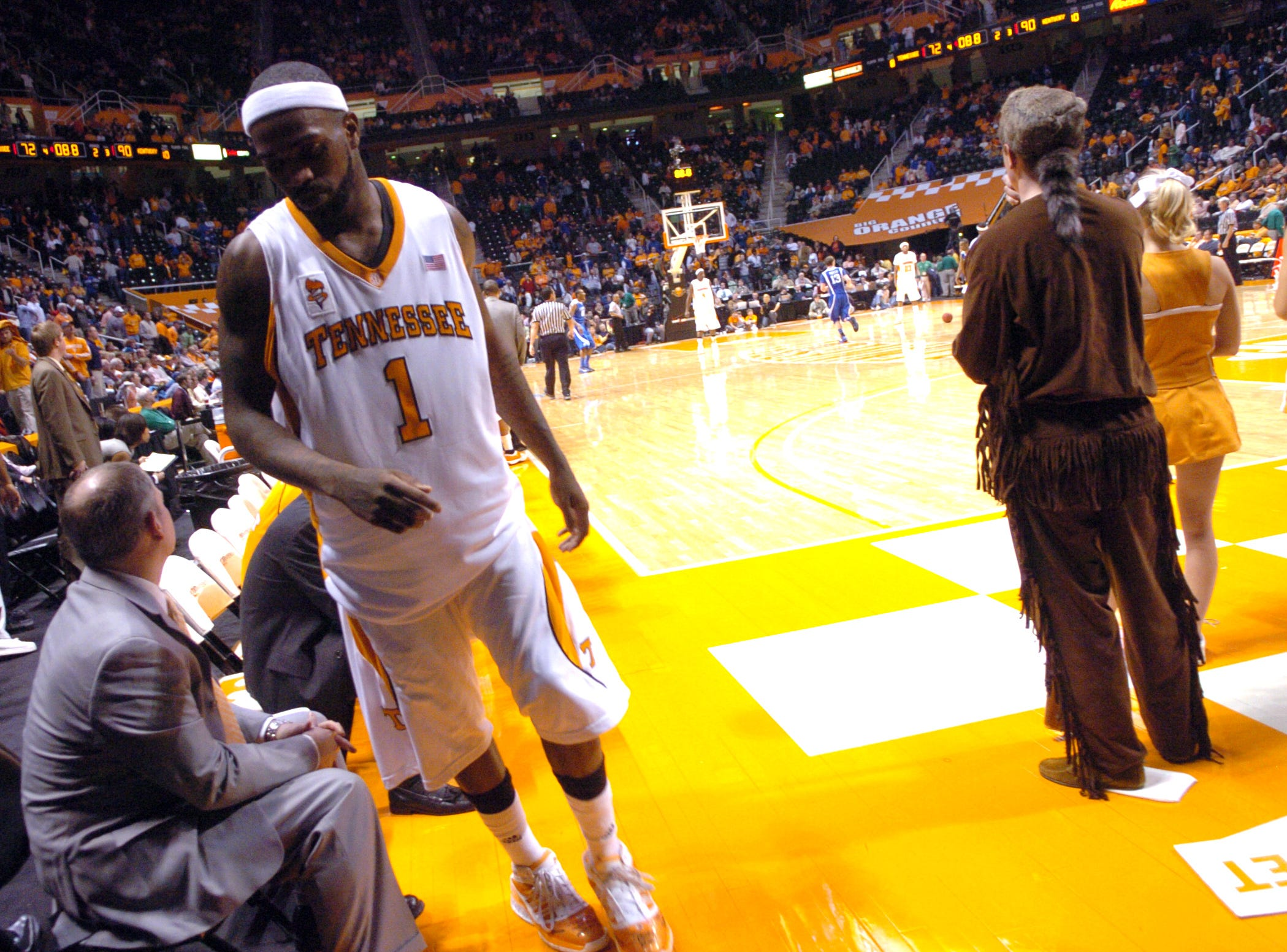 Tennessee's Tyler Smith leaves the court with seconds to go against Kentucky at Thompson Boling Arena in January 2009. Kentucky defeated Tennessee 90-72 with Jodie Meeks scoring 54 points.