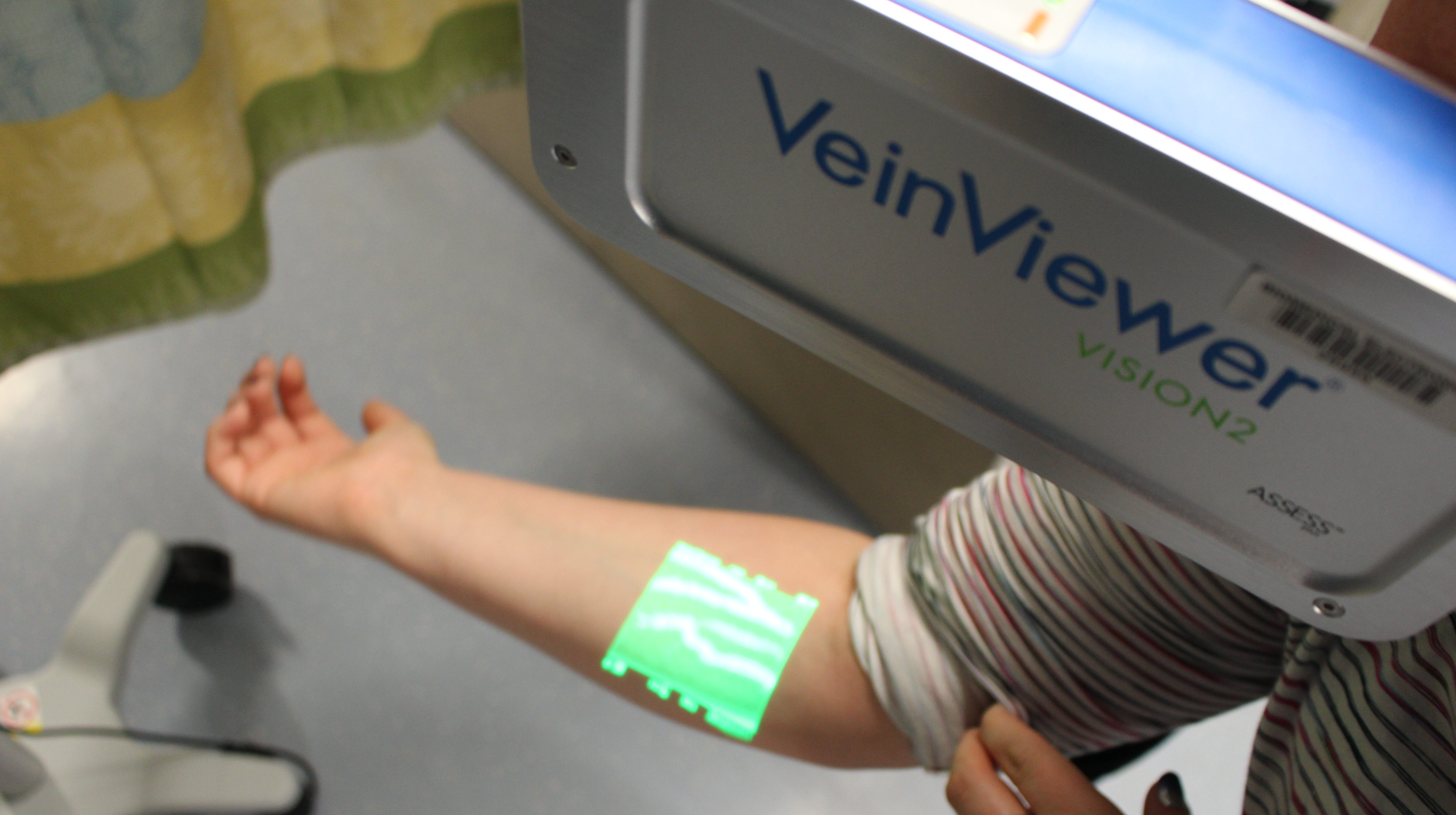 The VeinViewer works without ever having to touch your skin.