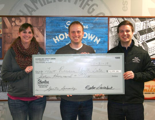 Shoreline Credit Union recently awarded a donation of $16,000 to Two Rivers Youth Sports