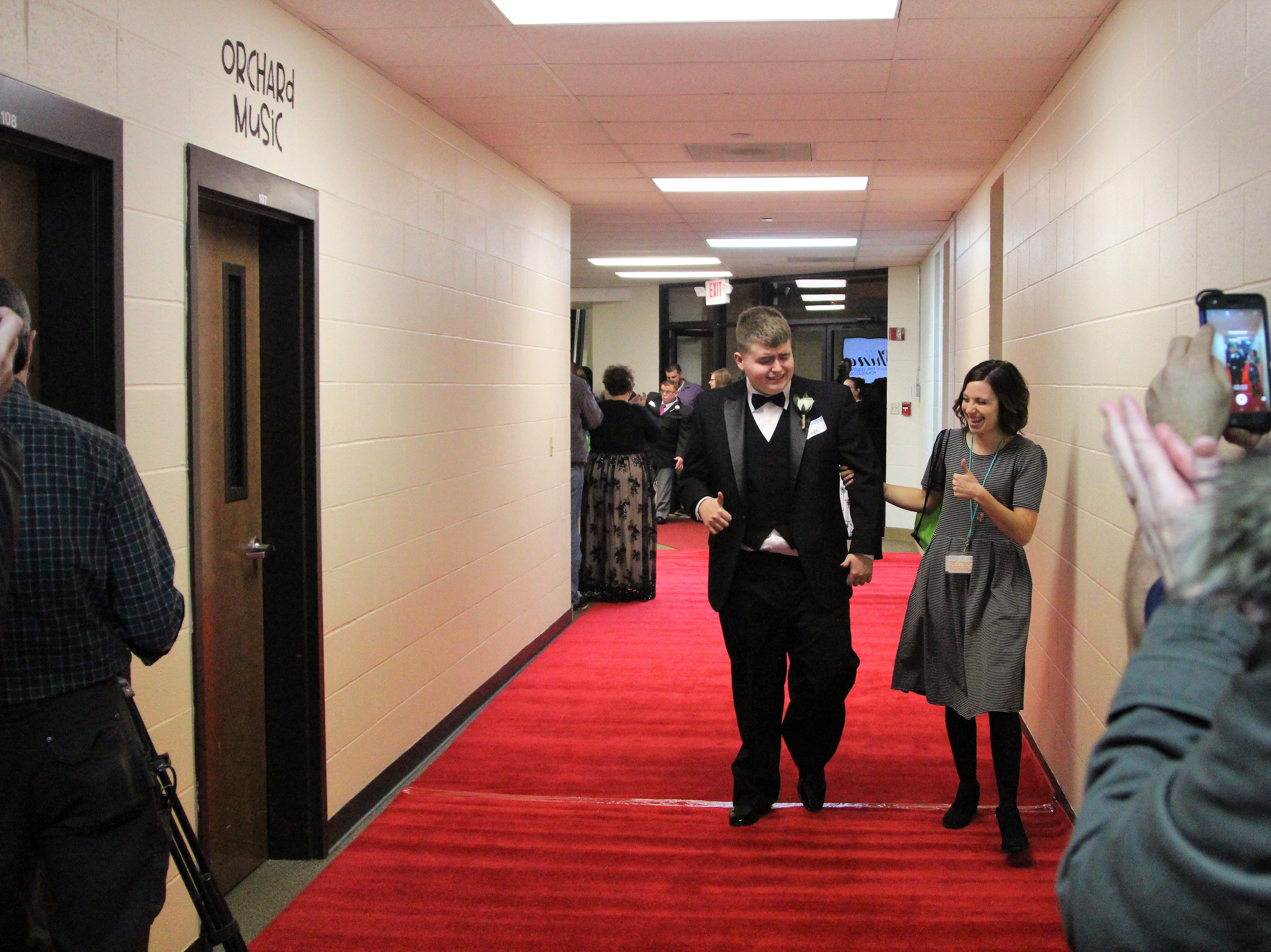 Each guest had their name called out before stepping foot onto the red carpet.