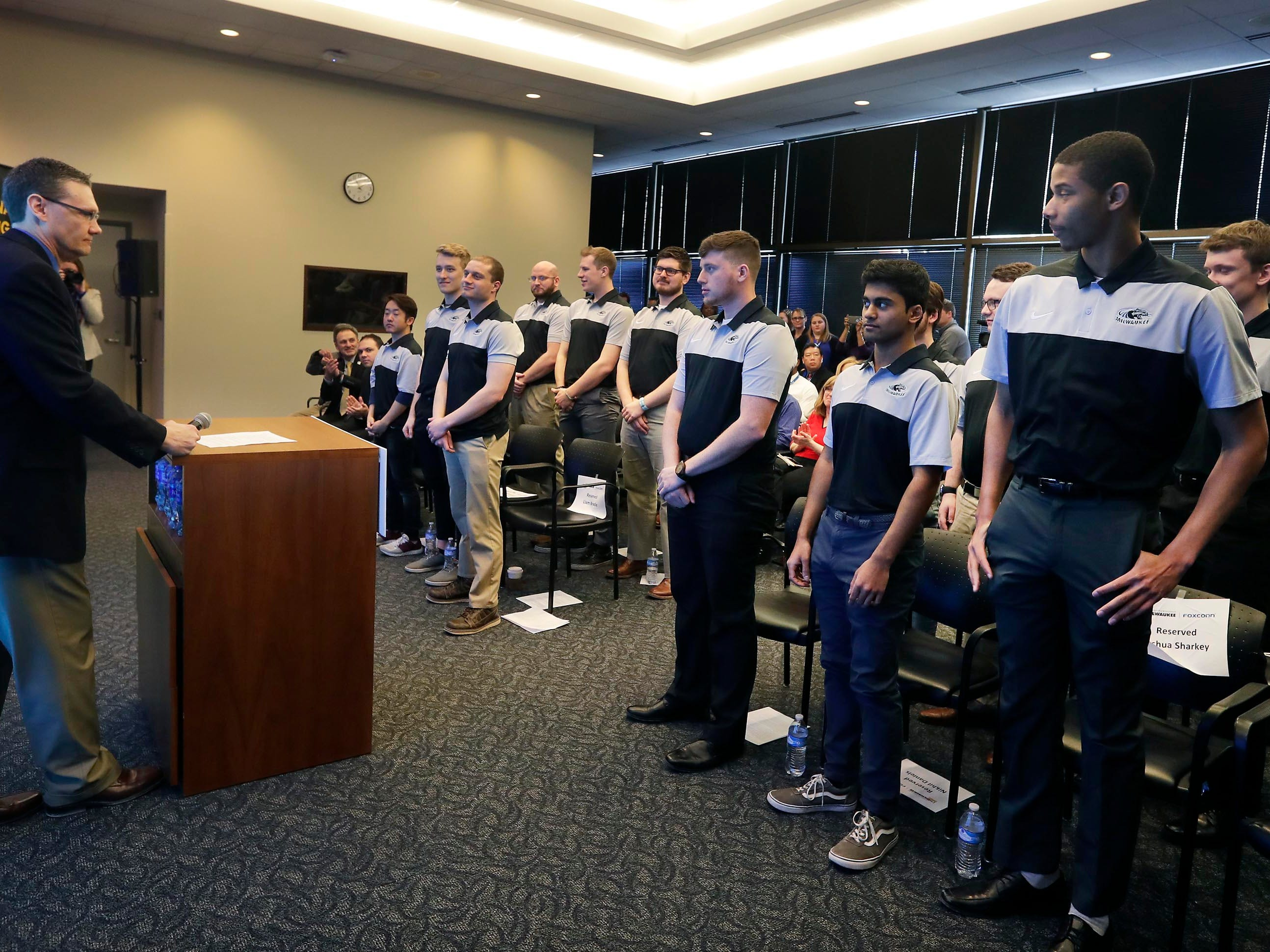 Foxconn sends 12 University of Wisconsin-Milwaukee students to international co-op in Taiwan