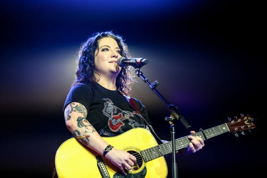 Ashley McBryde plays the Warner Wednesday lunch at Country Radio Seminar.