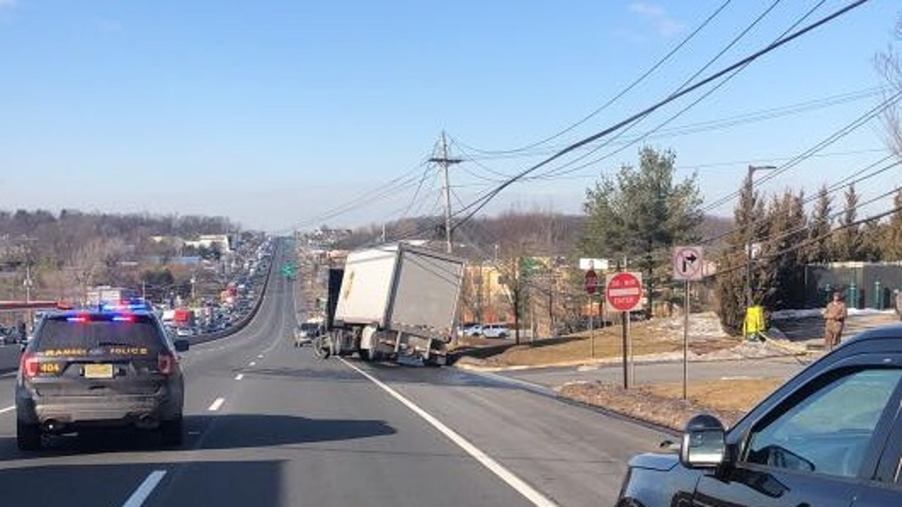 Route 17 in Ramsey NJ reopens after truck brings down wires