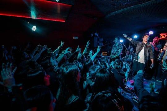 """El intérprete de """"De la Tierra Hasta Marte"""", agradeció la rápida respuesta de su público a su fiesta sorpresa pre """"Tour 1016""""."""