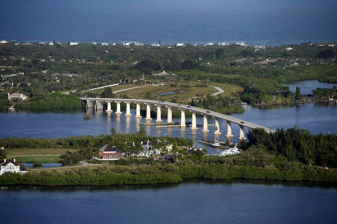 A 2013 view of the Wabasso Bridge shows the area looking southeast towards Indian River Shores. The county already has two existing wastewater pipelines strapped onto the Wabasso Bridge which then merge, run across the barrier island, then proceed down A1A.