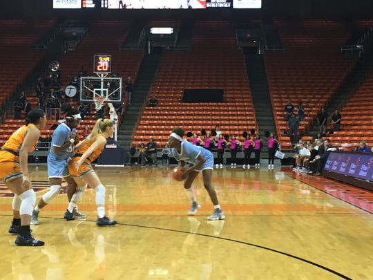 Louisiana Tech's Amber Dixon looks for a place to go against Katarina Zec Thursday night at the Don Haskins Center