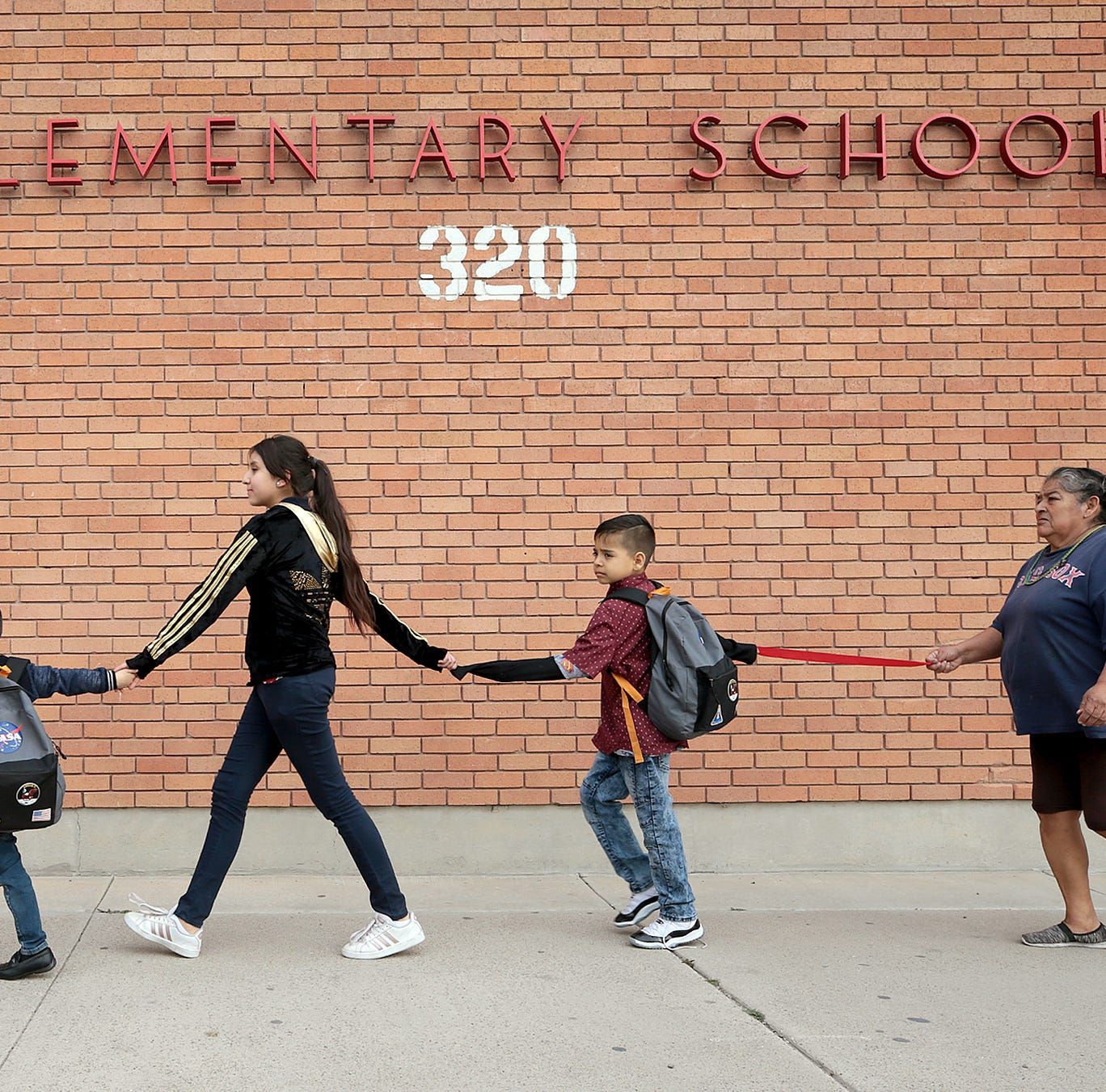 Allow students, teachers, staff to stay at Beall school, Hope Border Institute urges EPISD