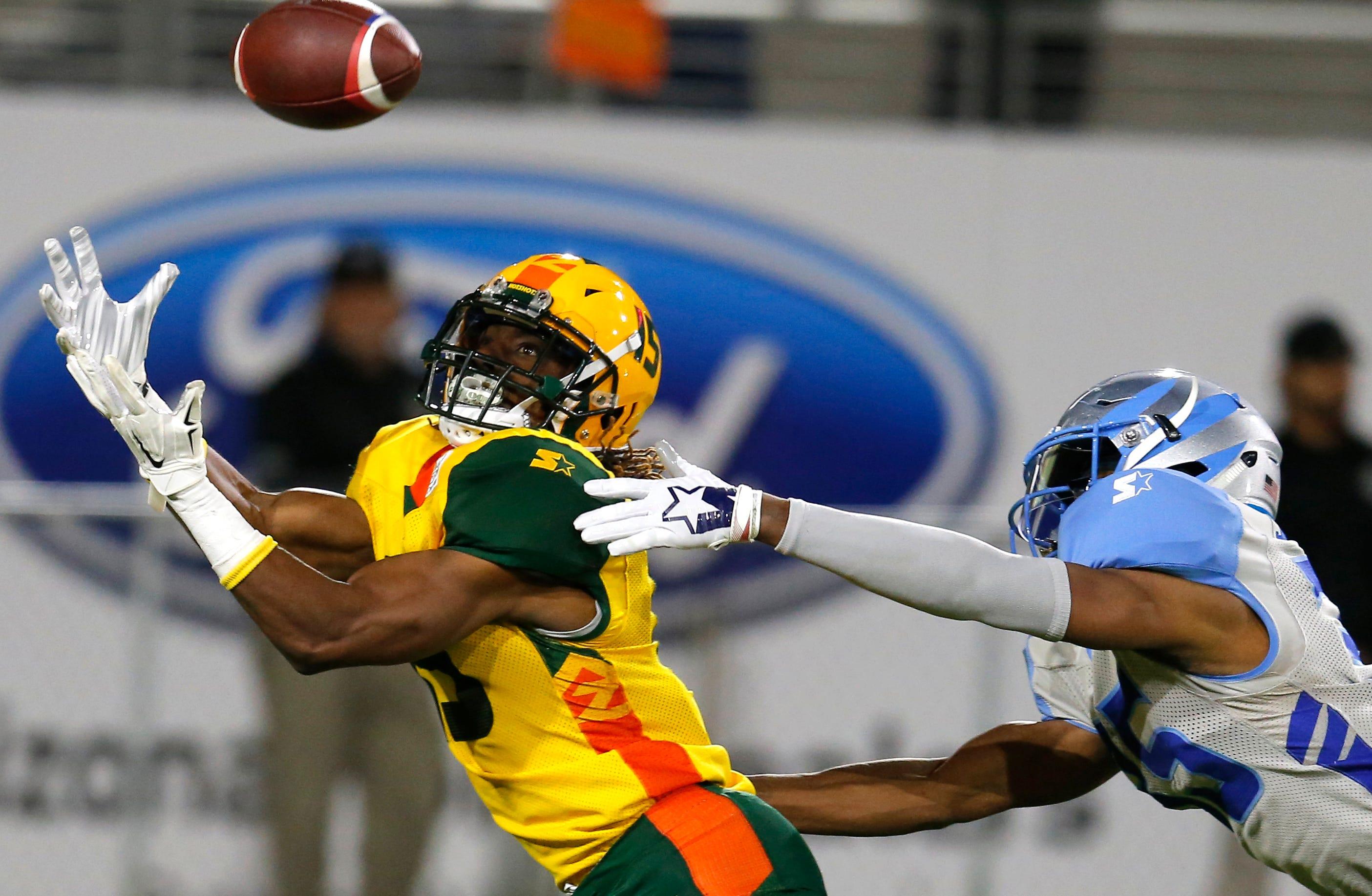Arizona Hotshots WR Rashad Ross catches a touchdown pass against the Salt Lake Stallions.
