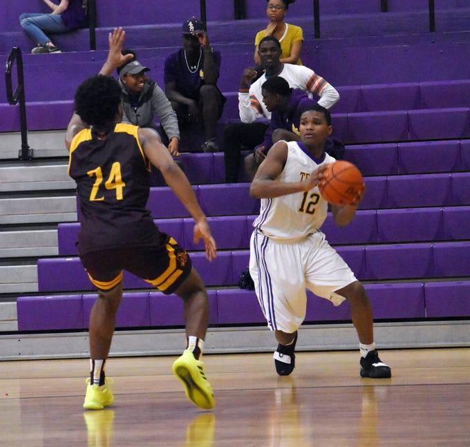 Alexandria Senior High School hosted Natchitoches Central High School Friday, Feb. 15, 2019. Natchitoches won 62-41.