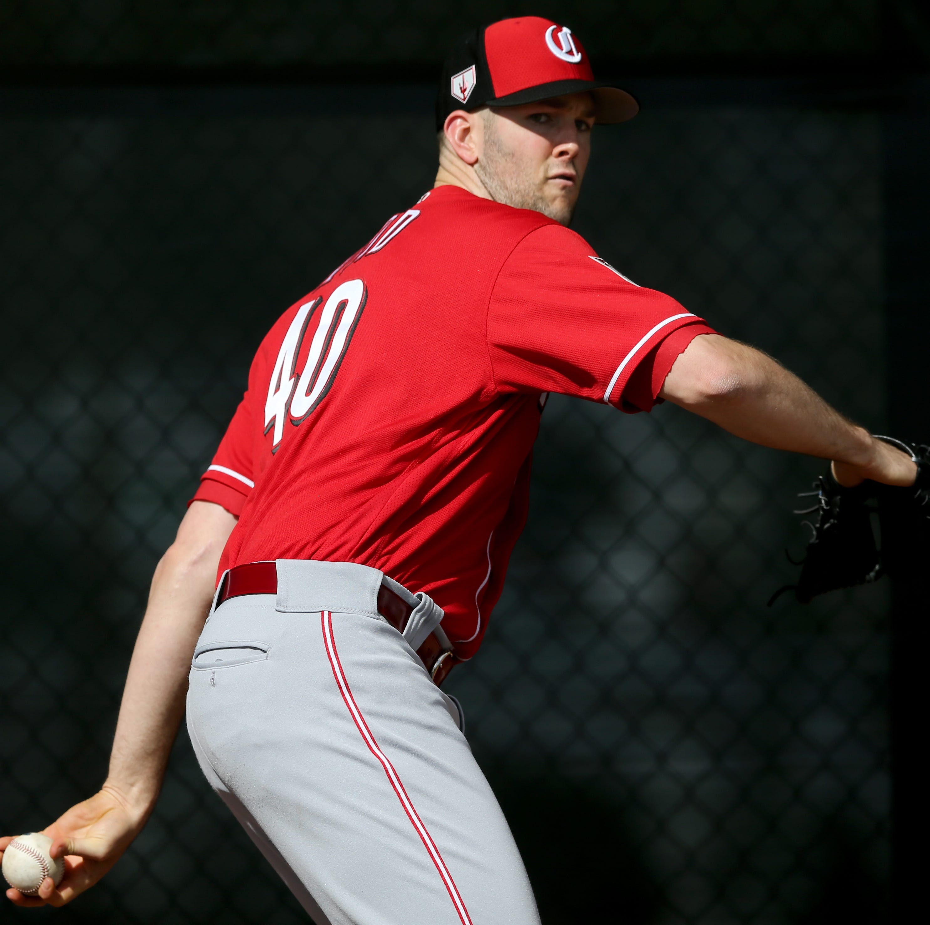 Cincinnati Reds pitcher Alex Wood back on the mound again, will begin season on 10-day injured list