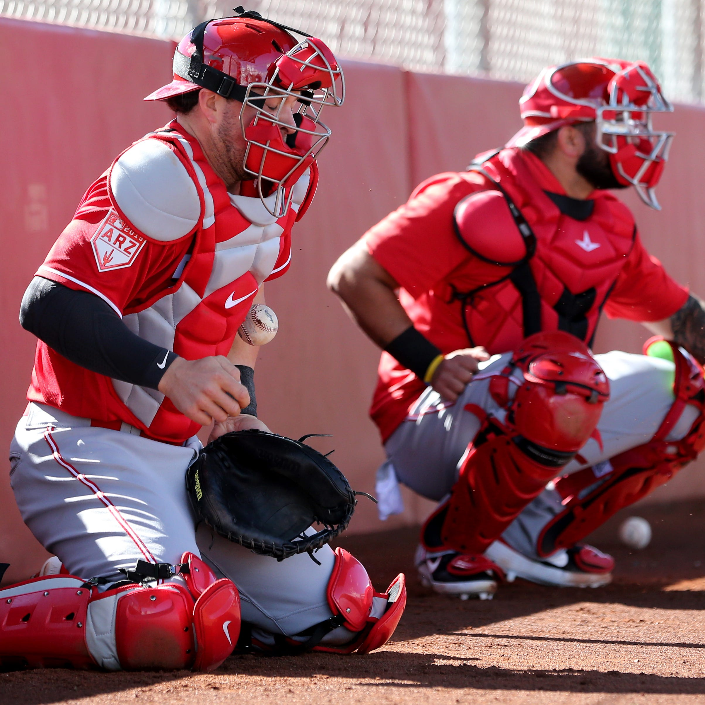 Cincinnati Reds notes: Kyle Farmer fills final bench spot; Wandy Peralta more confident