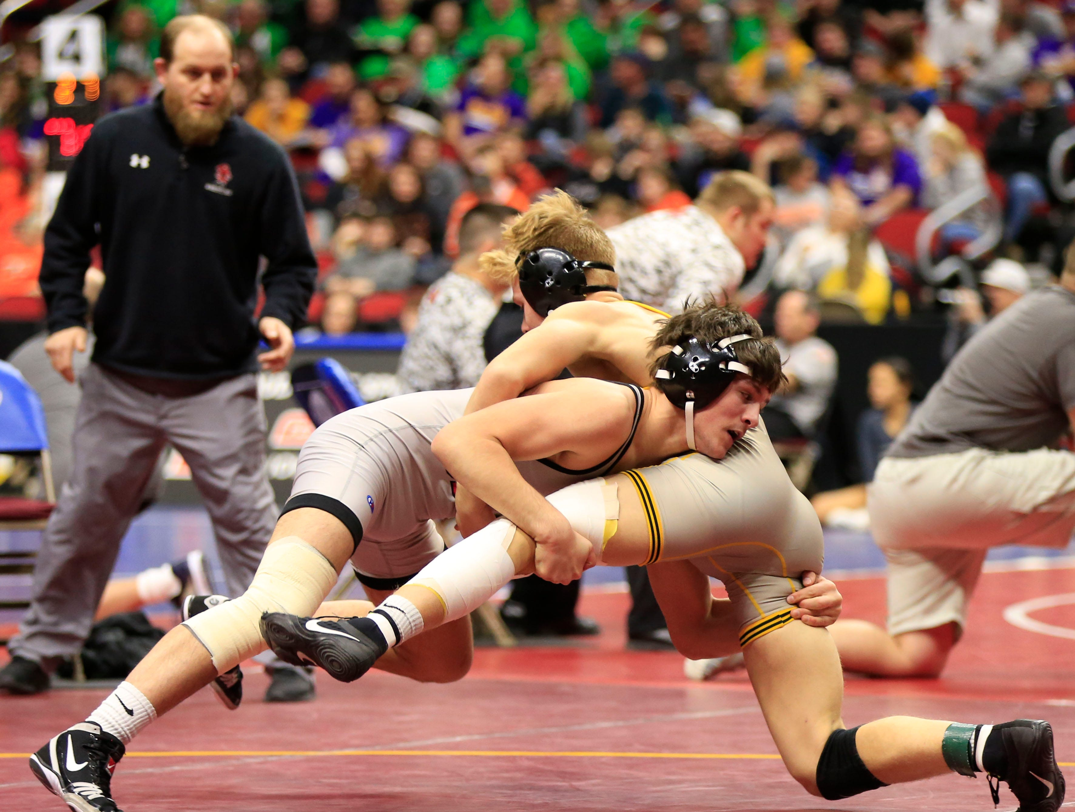 Colby Schriever of Mason City defeats Ian Heise of Waverly-Shell Rock during a 138 Lb 3A semifinal match at the state wrestling tournament Friday, Feb. 15, 2019.