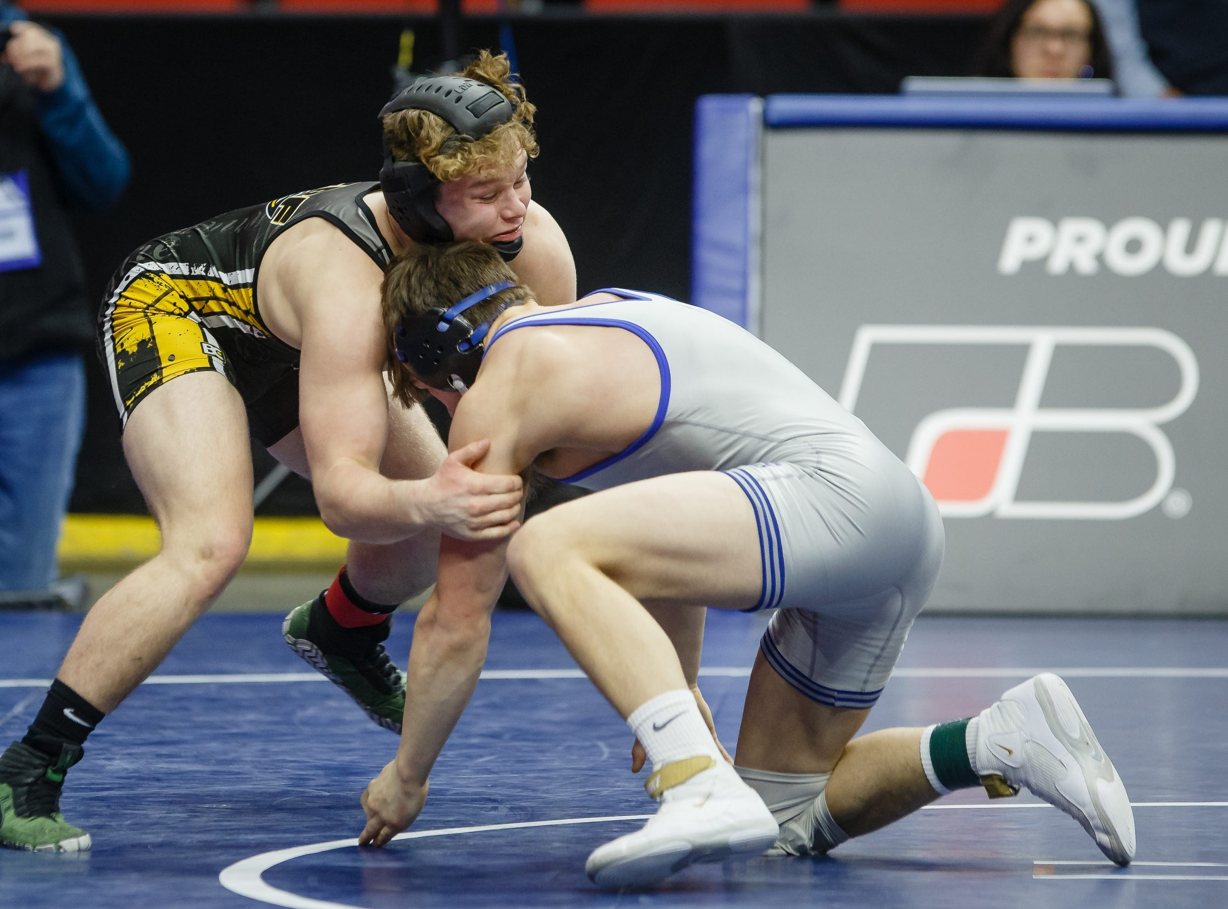 Sage Walker of Eddyville-Blakesburg-Fremont wrestles Colter Bye of Crestwood, Cresco during their class 2A 170 pound state championship semi-final match on Friday, Feb. 15, 2019 in Des Moines. Walker moves on with a 12-4 major decision.