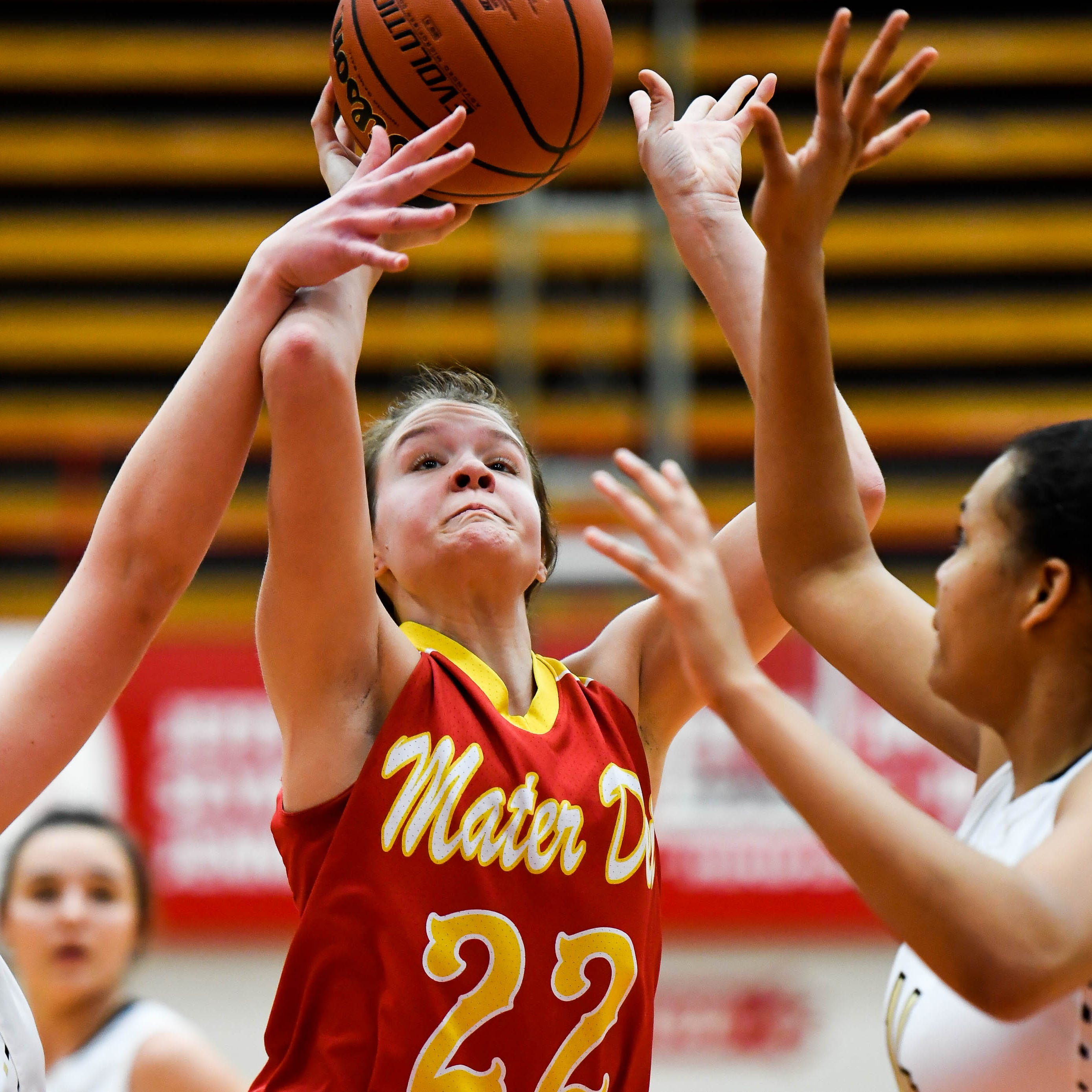 Hudson sparks Mater Dei's late rally, but it falls short in Class 2A semistate