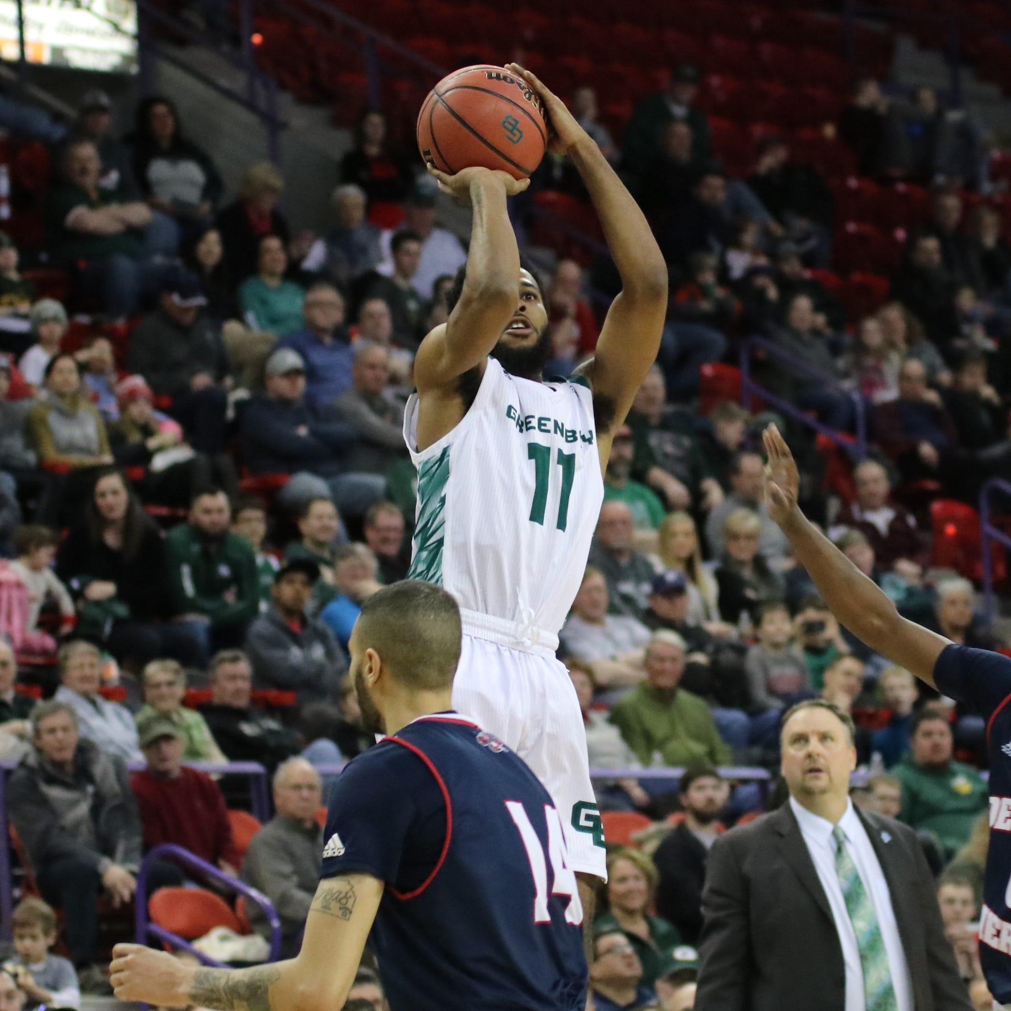 UWGB men: McCloud leads Phoenix comeback over Detroit